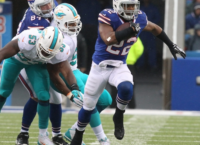 Fred Jackson (22) and the other Bills running backs will get plenty of carries if the offense can sustain drives better than in 2013.