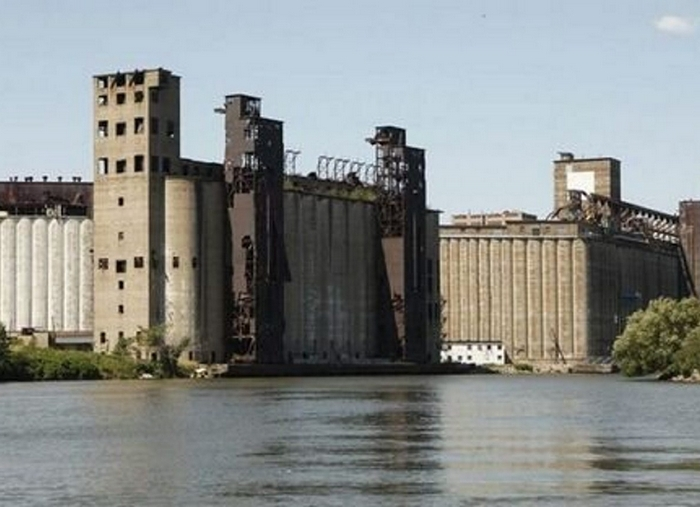 Grain elevators provide a backdrop for this weekend's art festival.