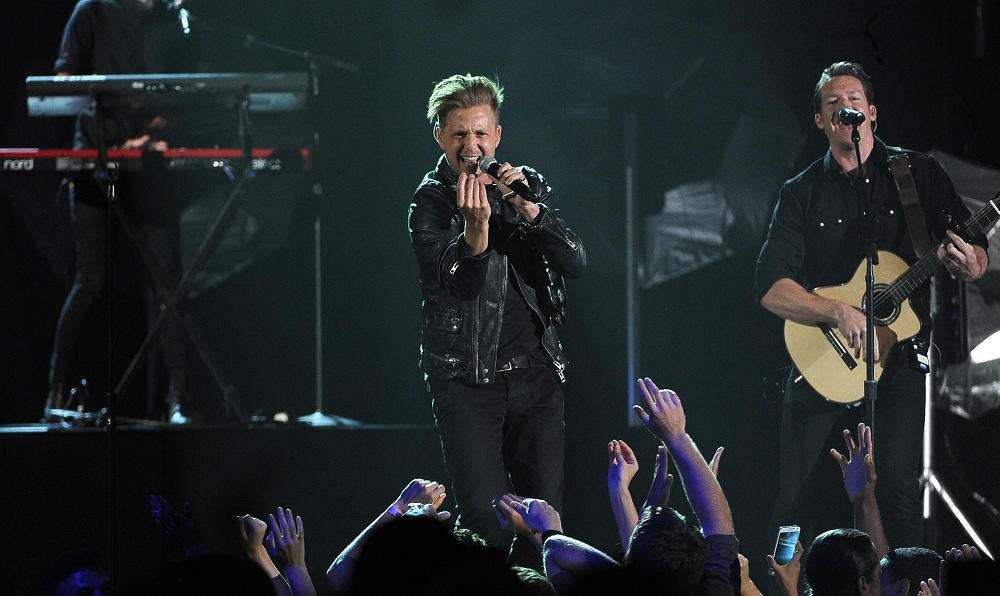 Ryan Tedder, left, and Zach Filkins of OneRepublic can thank Timbaland for their breakout. (Photo by Chris Pizzello/Invision/AP)
