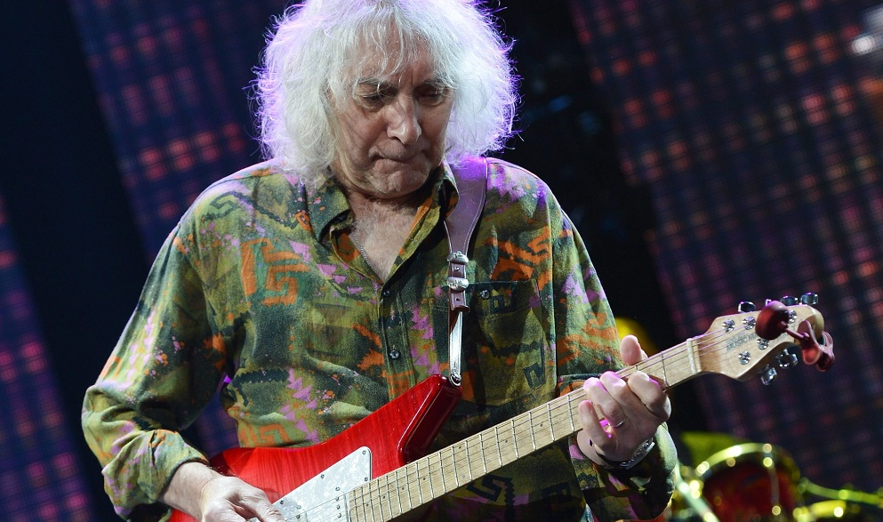 Albert Lee will perform in the Sportsmen's Tavern. (Getty Images)