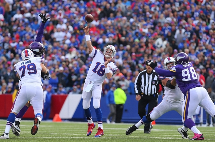 Bills quarterback Kyle Orton is more than capable of exploiting weaknesses in the Jets secondary, provided the offensive line gives him enough time to make the throws. (Mark Mulville/Buffalo News)