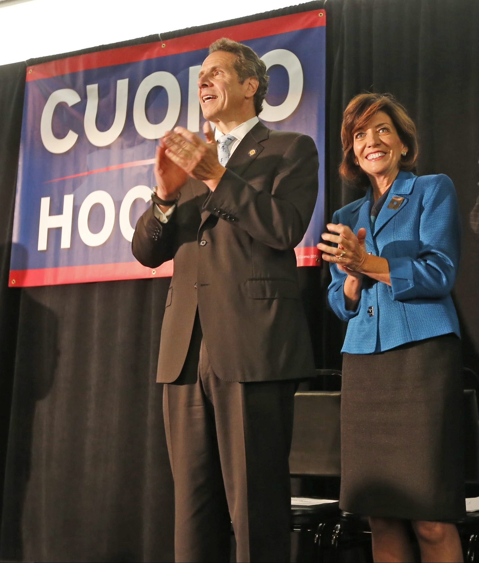 Gov. Andrew M. Cuomo and his running mate, Kathy Hochul, make a stop at the Como Restaurant in Niagara Falls during their last-minute campaign swing on Friday.