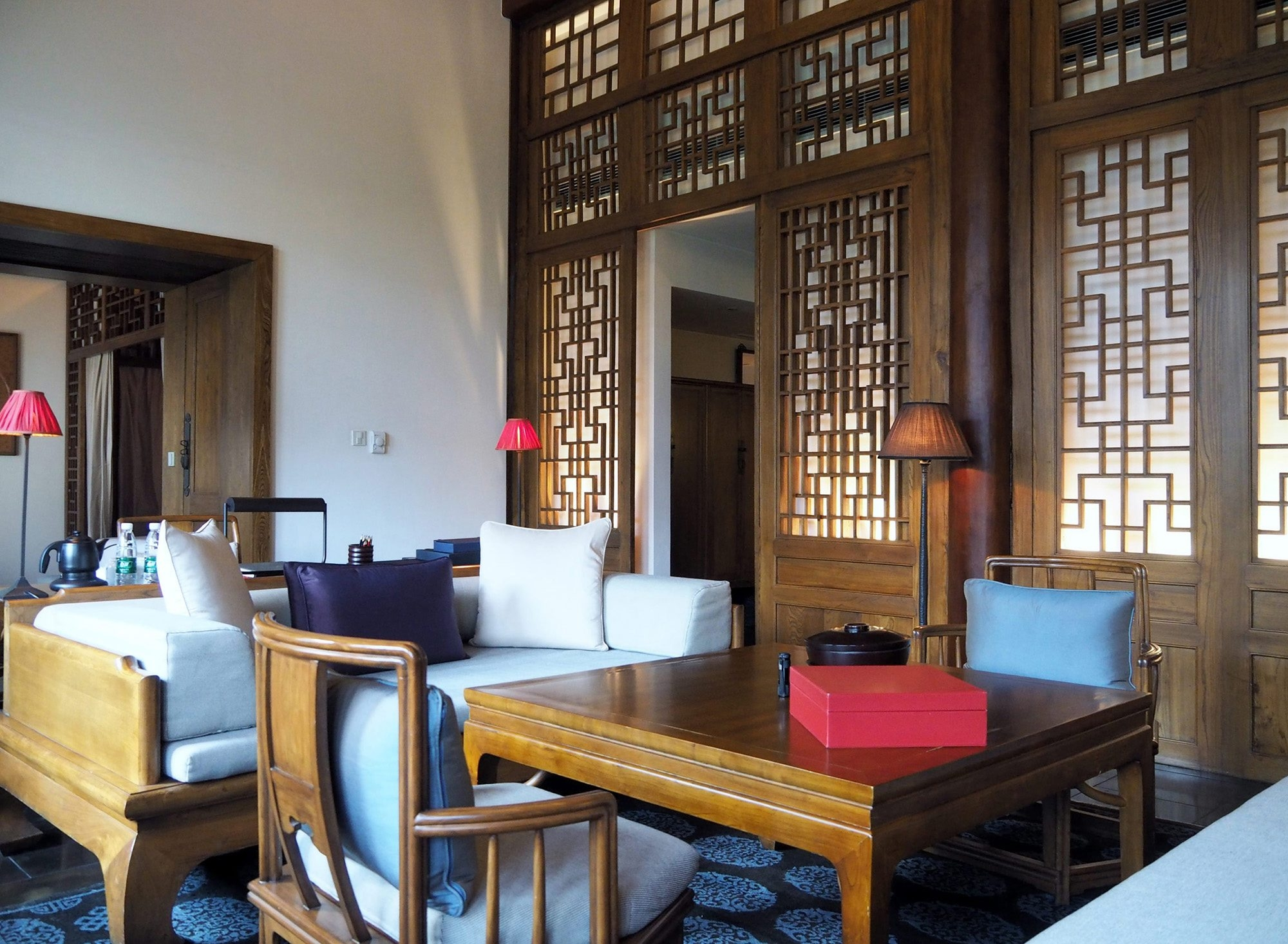 A suite in Aman iat Summer Palace in Beijing sparing employs traditional in accents Chinese red Illustrates DESIGN-CHINA (category l), by Vern Yip, (c) 2014, The Washington Post.  Moved Monday, October 13, 2014. (MUST CREDIT: Vern Yip.)