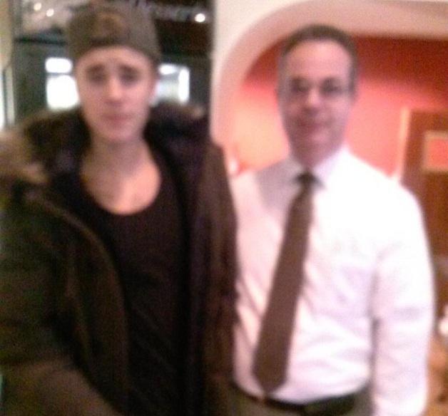 Pop megastar Justin Bieber paid a visit to Towne Restaurant on Monday.