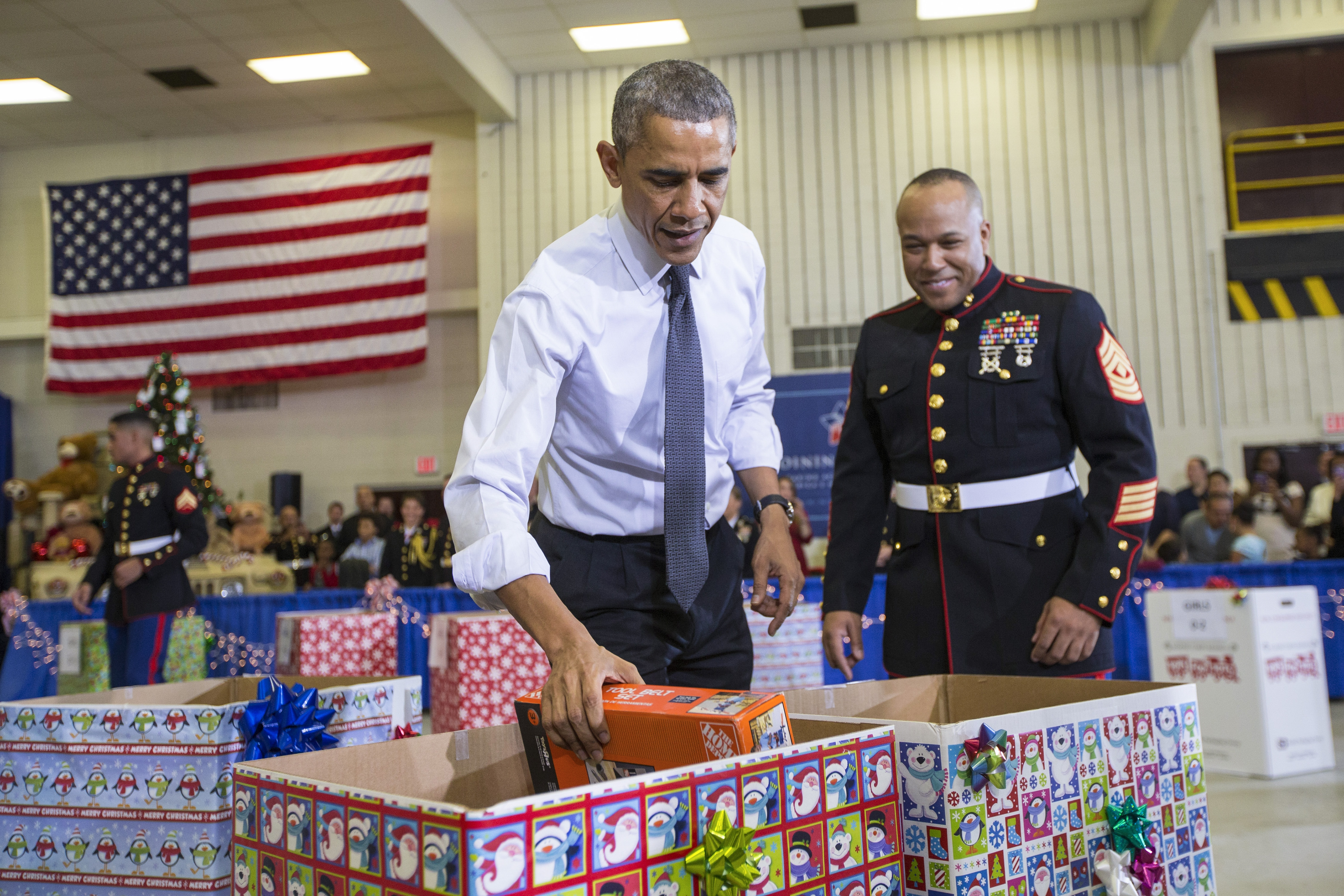 "President Obama had a hard time distinguishing between ""boy"" and ""girl"" toys at a Marine Corps Toys for Tots event earlier this month. A video of the gender-busting event is on the Internet."