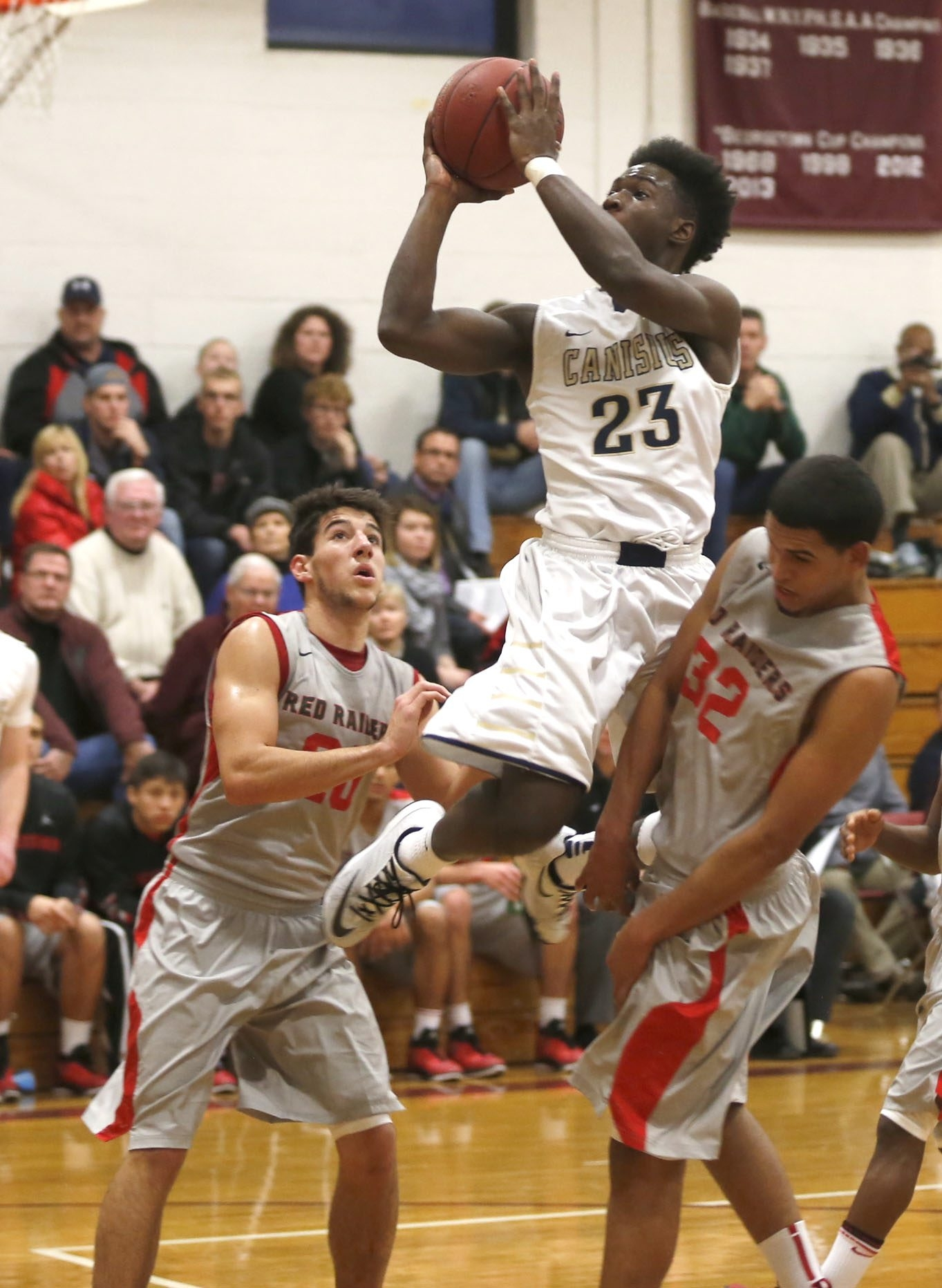 Canisius' LaTerrance Reed (23) breaks through in tournament play Saturday.