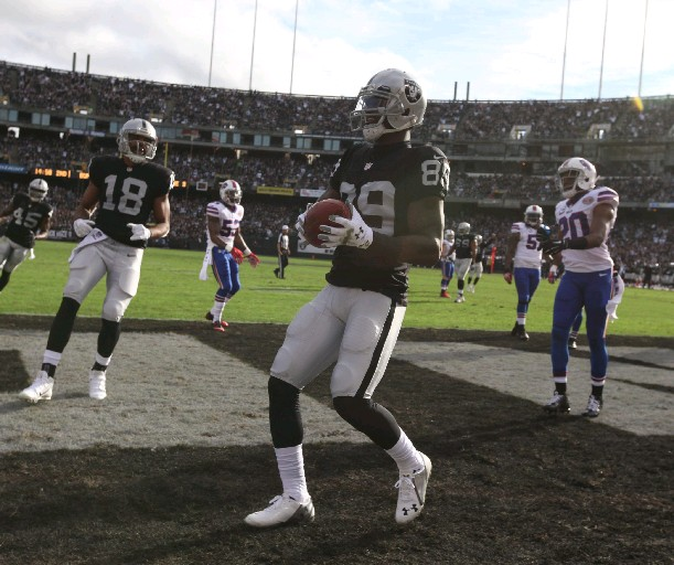 Oakland Raiders wide receiver James Jones (89) celebrates his Touchdown pass to tie the game at 7-7 in the second quarter. (James P. McCoy/Buffalo News)