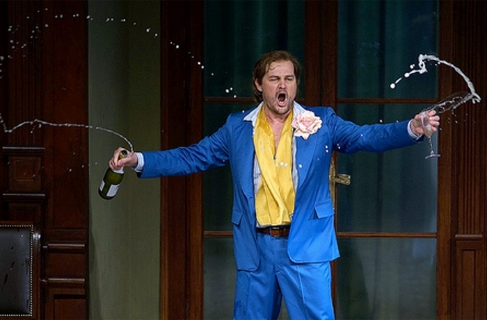 "Russell Braun, as Don Giovanni, sings the famous ""Champagne Aria."""