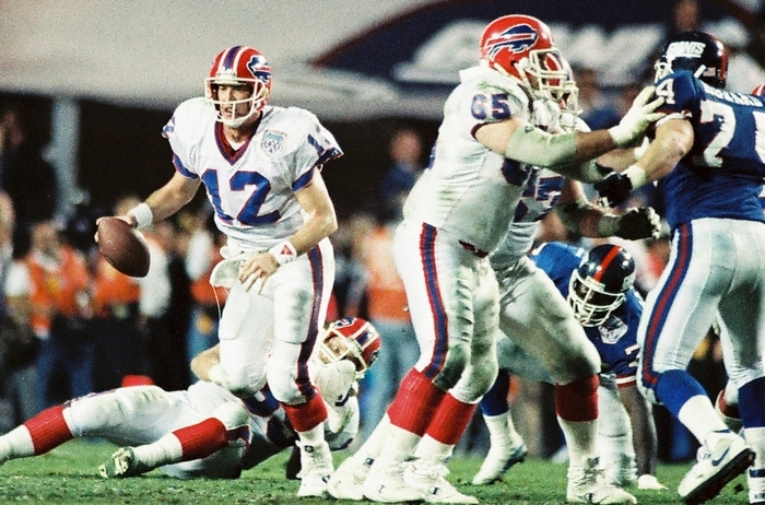 Jim Kelly in the Super Bowl in Tampa in 1991 (James P. McCoy/ Buffalo News)