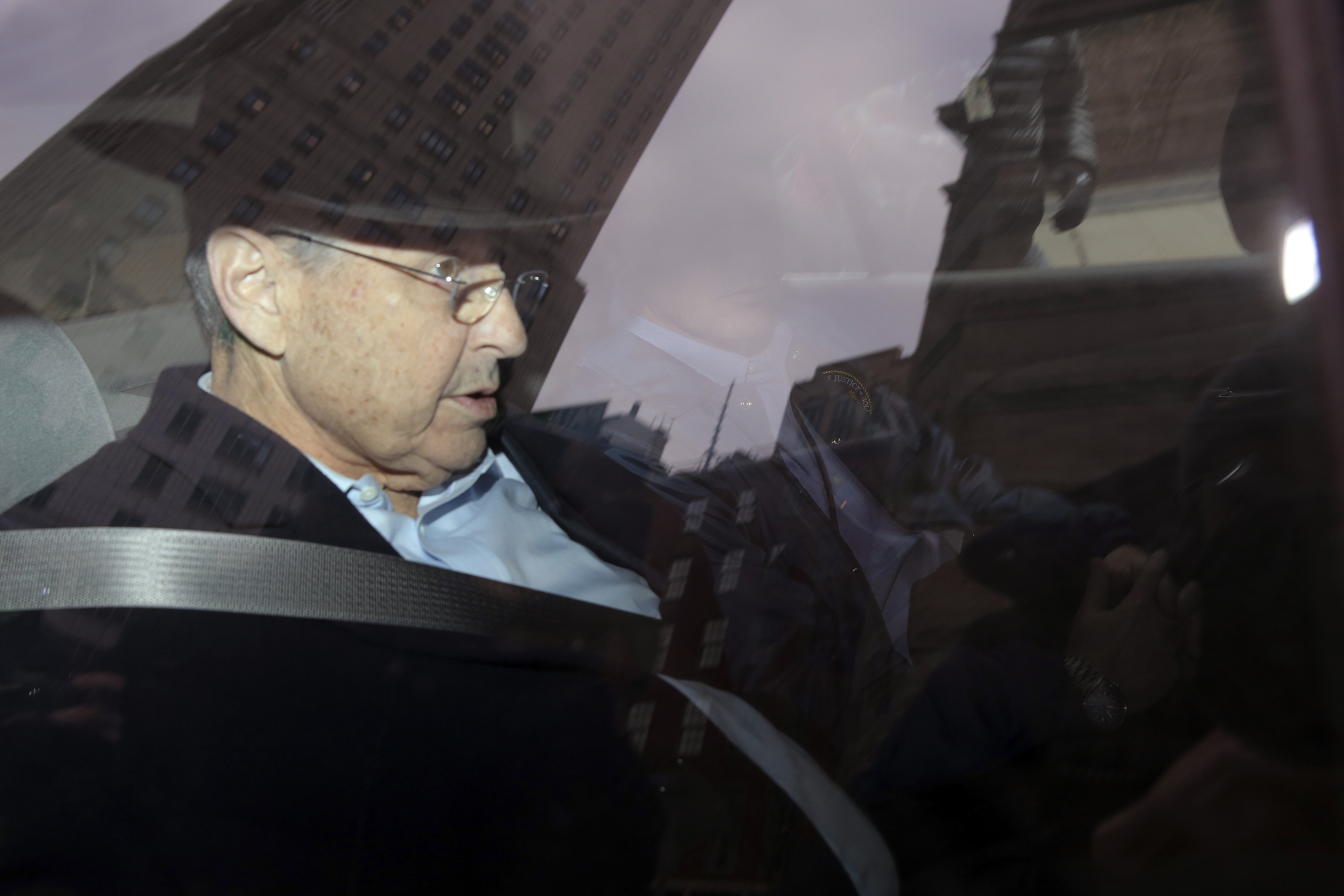Assembly Speaker Sheldon Silver leaves Federal Plaza in Manhattan after being arrested earlier, on Thursday, in New York, Jan. 22, 2015.  (The New York Times)