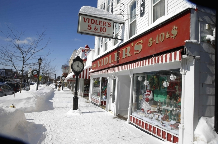 Filming Of Small Town Prince Returns Christmas To East Aurora