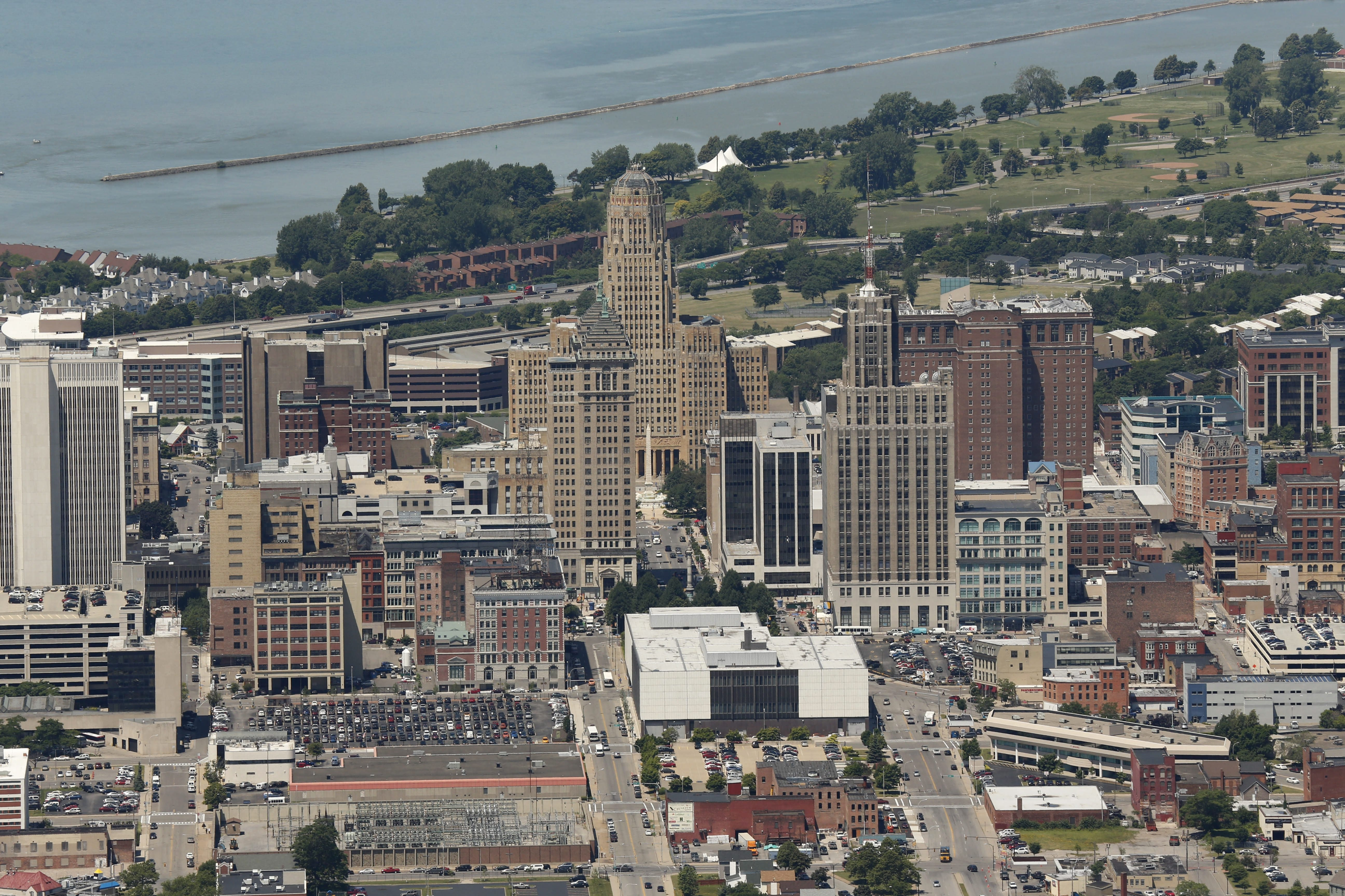 Buffalo officials hope efforts to bring a grocery store downtown will attract both local and national firms.