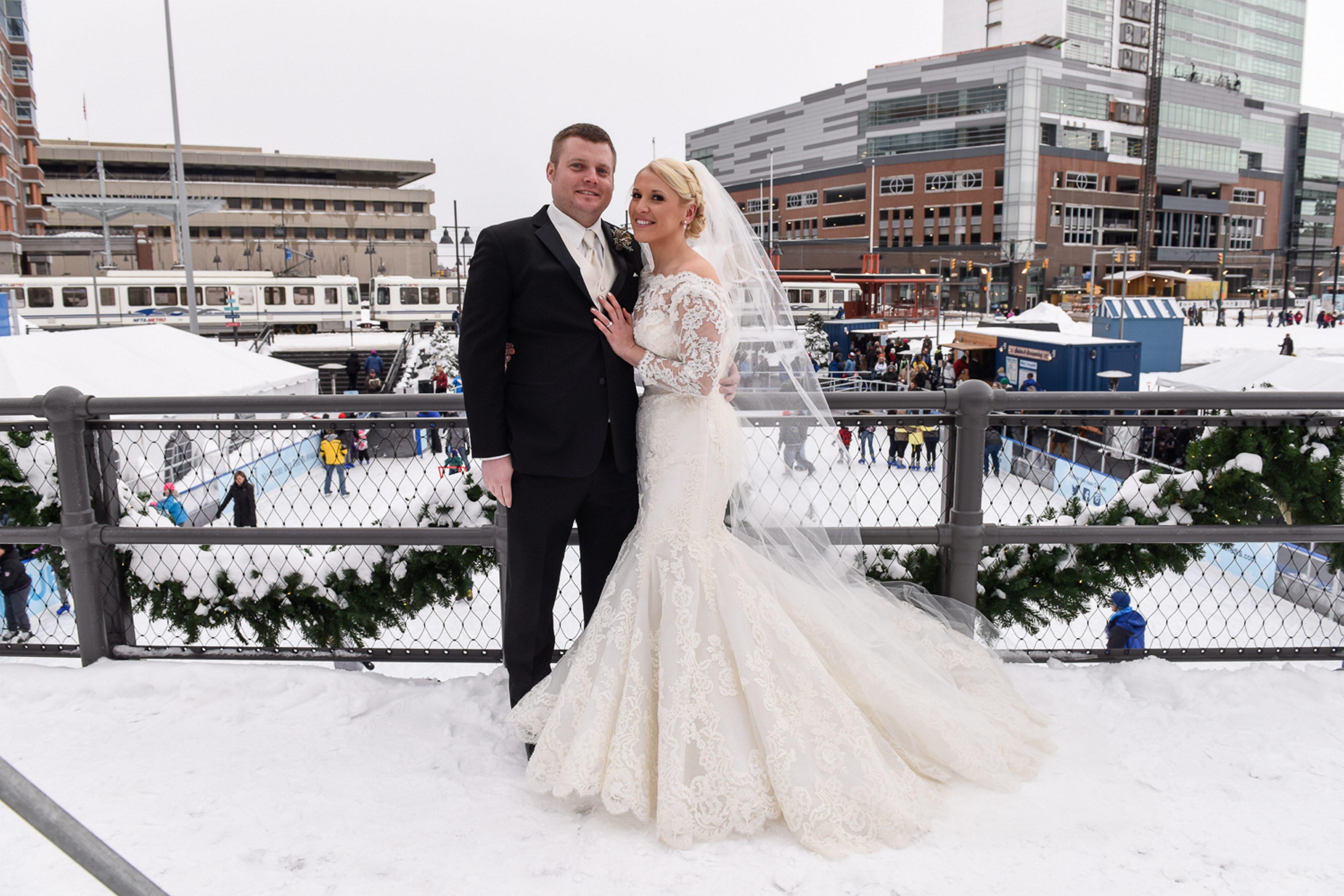 Geoff Nason, Kim Barnashuk wedding photo