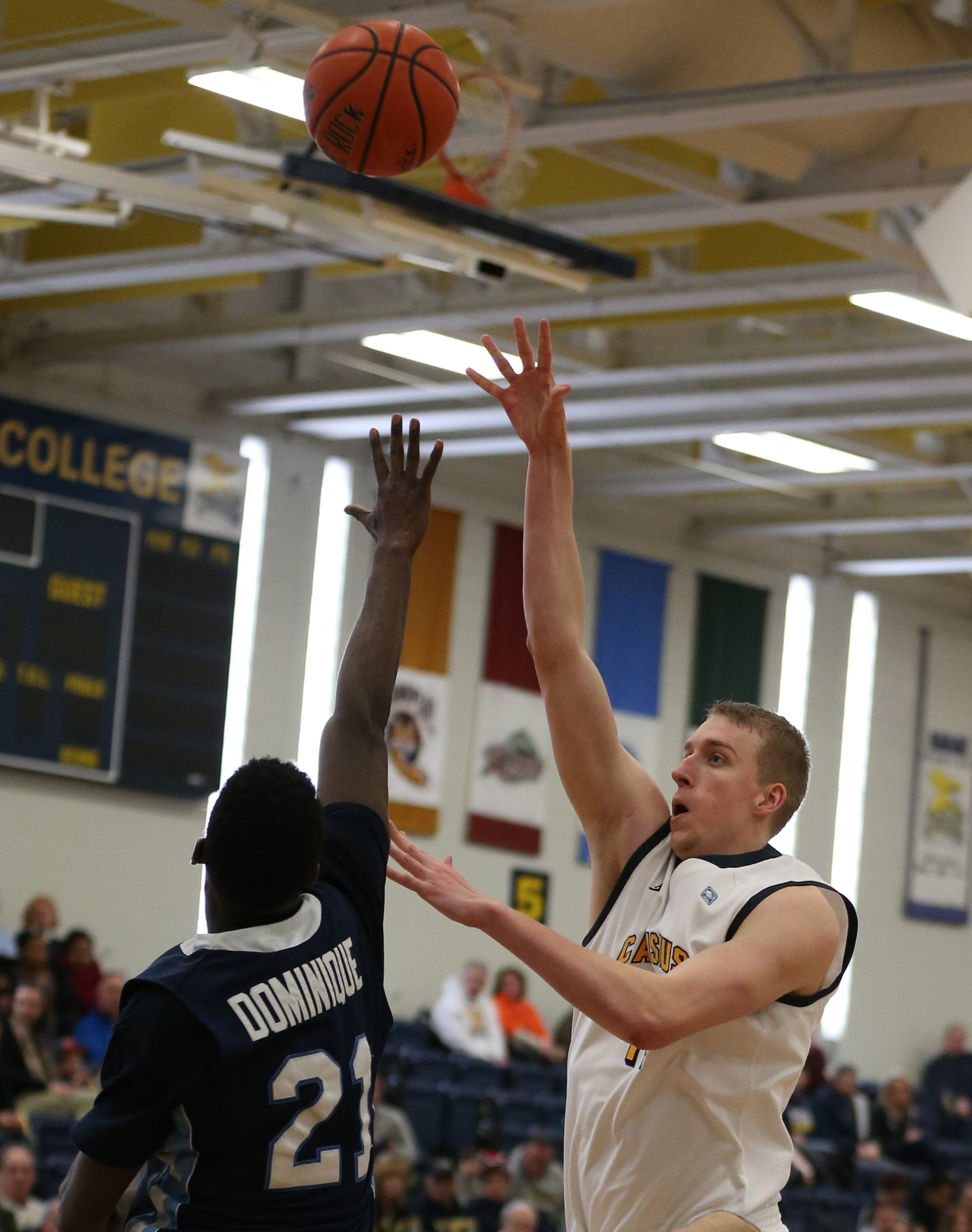 Canisius' Kevin Bleeker (14) has stepped up his game.