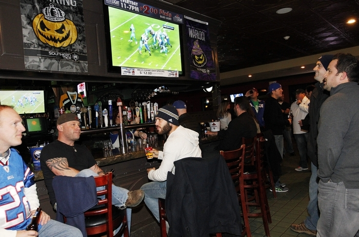 Bills fans wanting to watch games at local bars won't have to worry about TV blackouts this season. (Sharon Cantillon/News file photo)