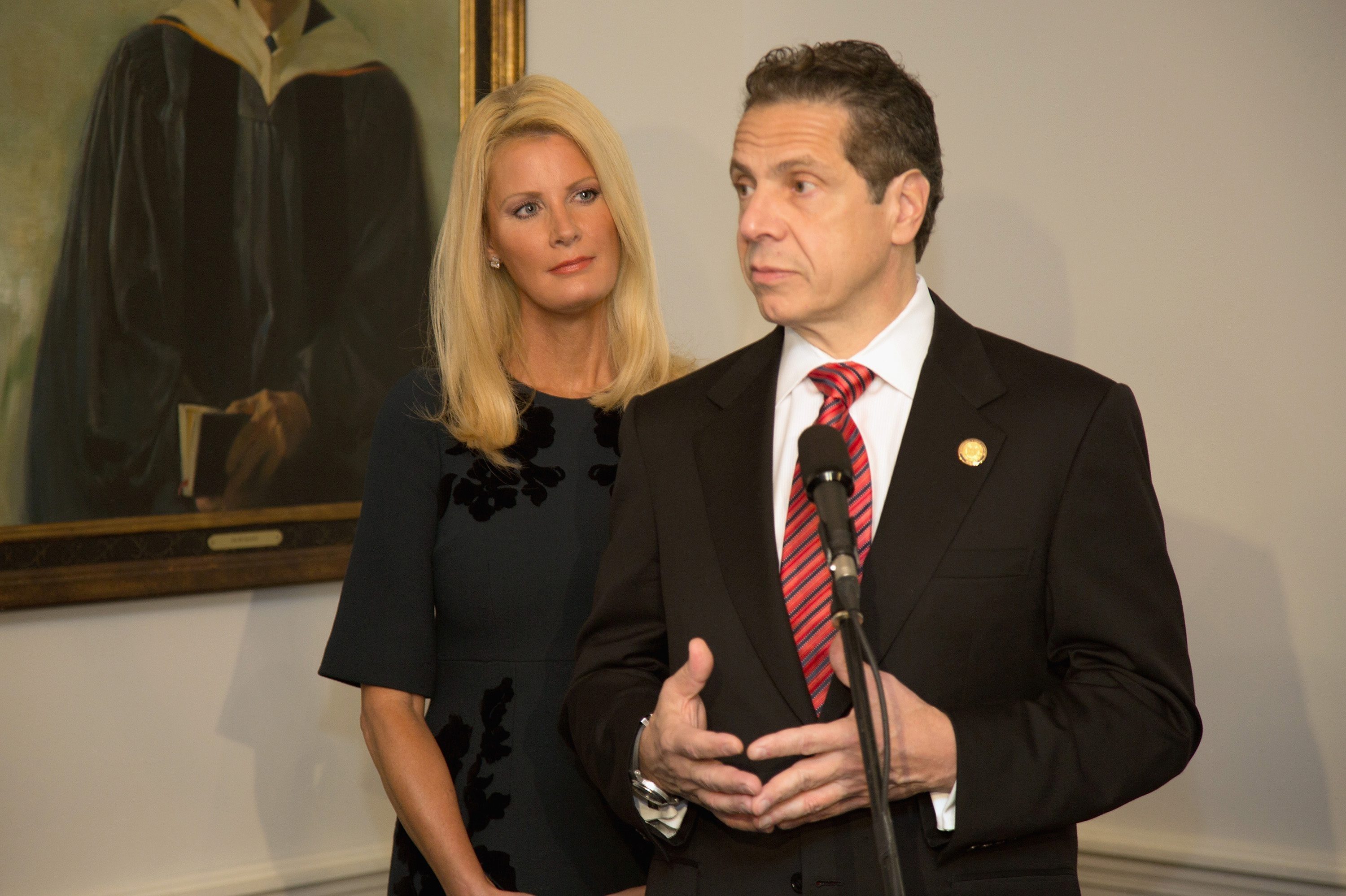 Gov. Andrew Cuomo and TV food show host Sandra Lee live at her home in Westchester.