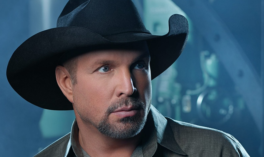 If you're going to see Garth Brooks this weekend, be aware of these parking details.