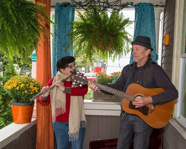 Russian Hands and Roman Fingers perform at 22 Livingston Street at Porchfest 2014. (Don Nieman/Special to the News)
