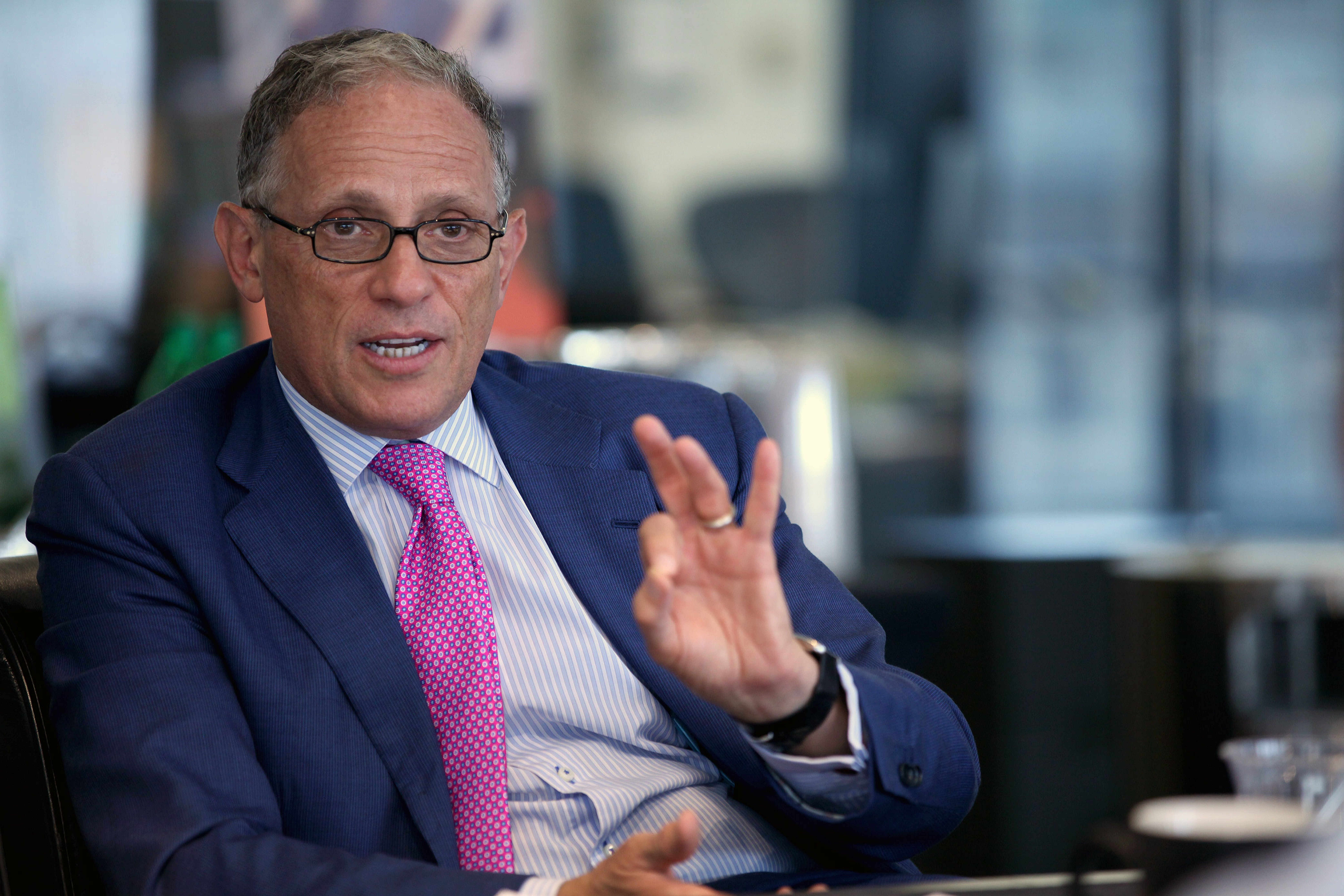 Fred Hochberg, chairman and president of the Export-Import Bank, is scheduled to participate in a manufacturing forum at Jamestown Community College on Thursday.