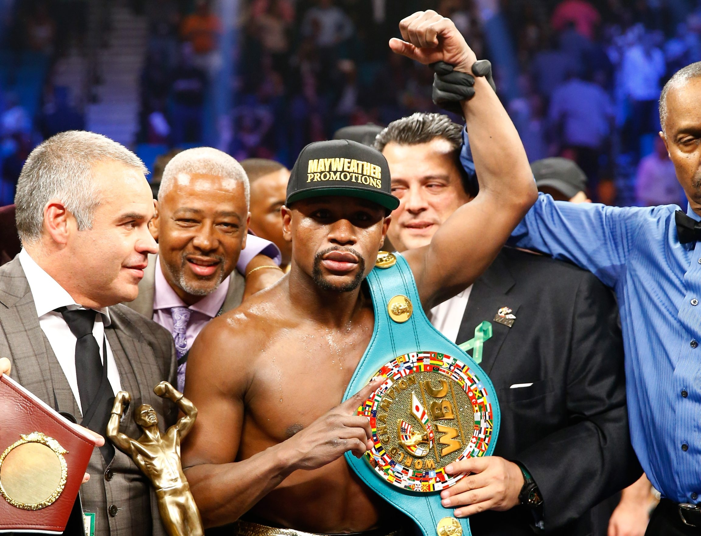 Floyd Mayweather Jr. celebrates his unanimous decision victory over Manny Pacquiao at MGM Grand Garden Arena.
