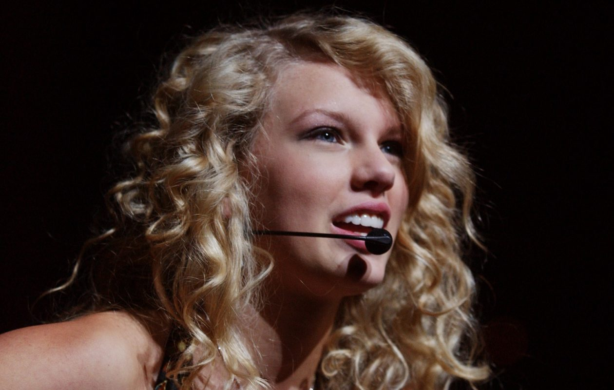 Taylor Swift, pictured during her 2006 show at HSBC Arena. (News file photo)