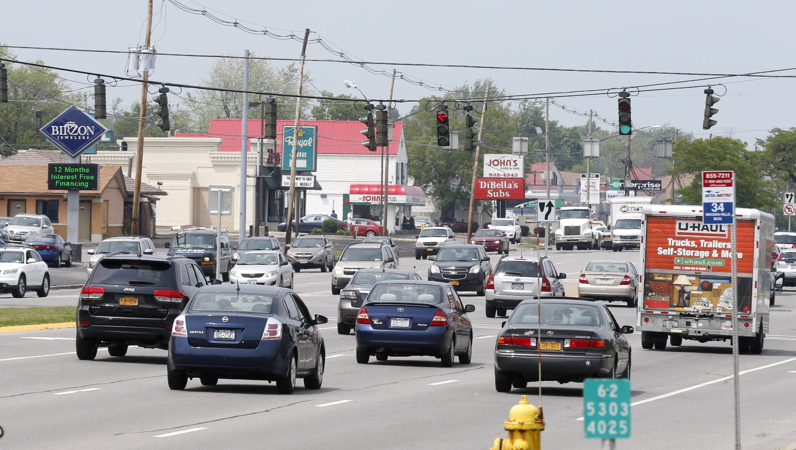 Tonawanda sits on the left and Amherst on the right from this angle of Niagara Falls Boulevard. The two communities may begin to work together to make the busy thoroughfare appear more uniform. (Robert Kirkham/Buffalo News)