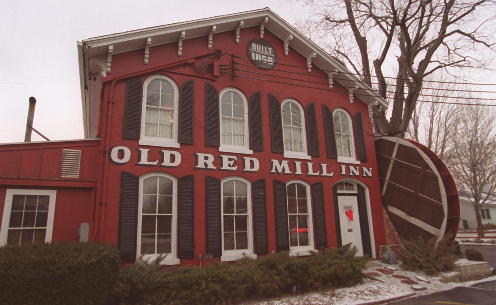 Old Red Mill Inn on Main Street was another closing that sent ripple effects through local eaters. (Robert Kirkham/Buffalo News file photo)