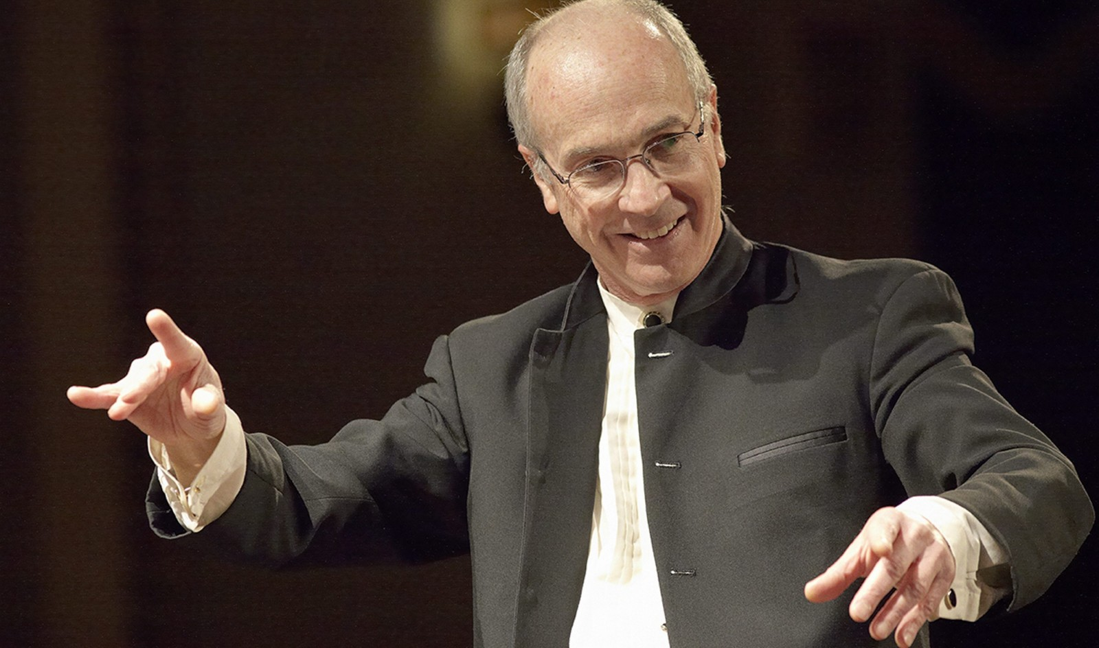 Arie Lipsky returns to conduct concerts in Clarence.