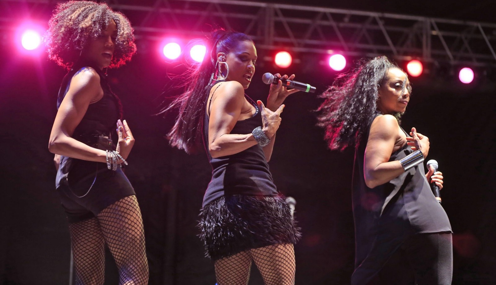 En Vogue synchronizes some classic dance moves with a hint of coquettish to an appreciative Canalside audience on hand for the season finale Thursday night.