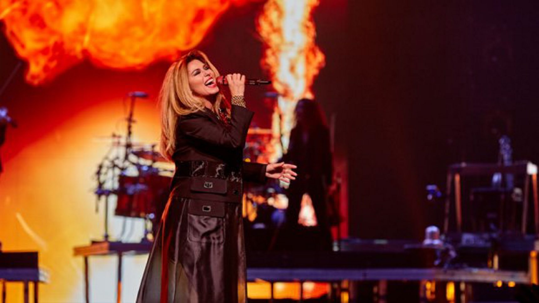 "Shania Twain brings her ""Rock This Country Tour"" to First Niagara Center Oct. 3."
