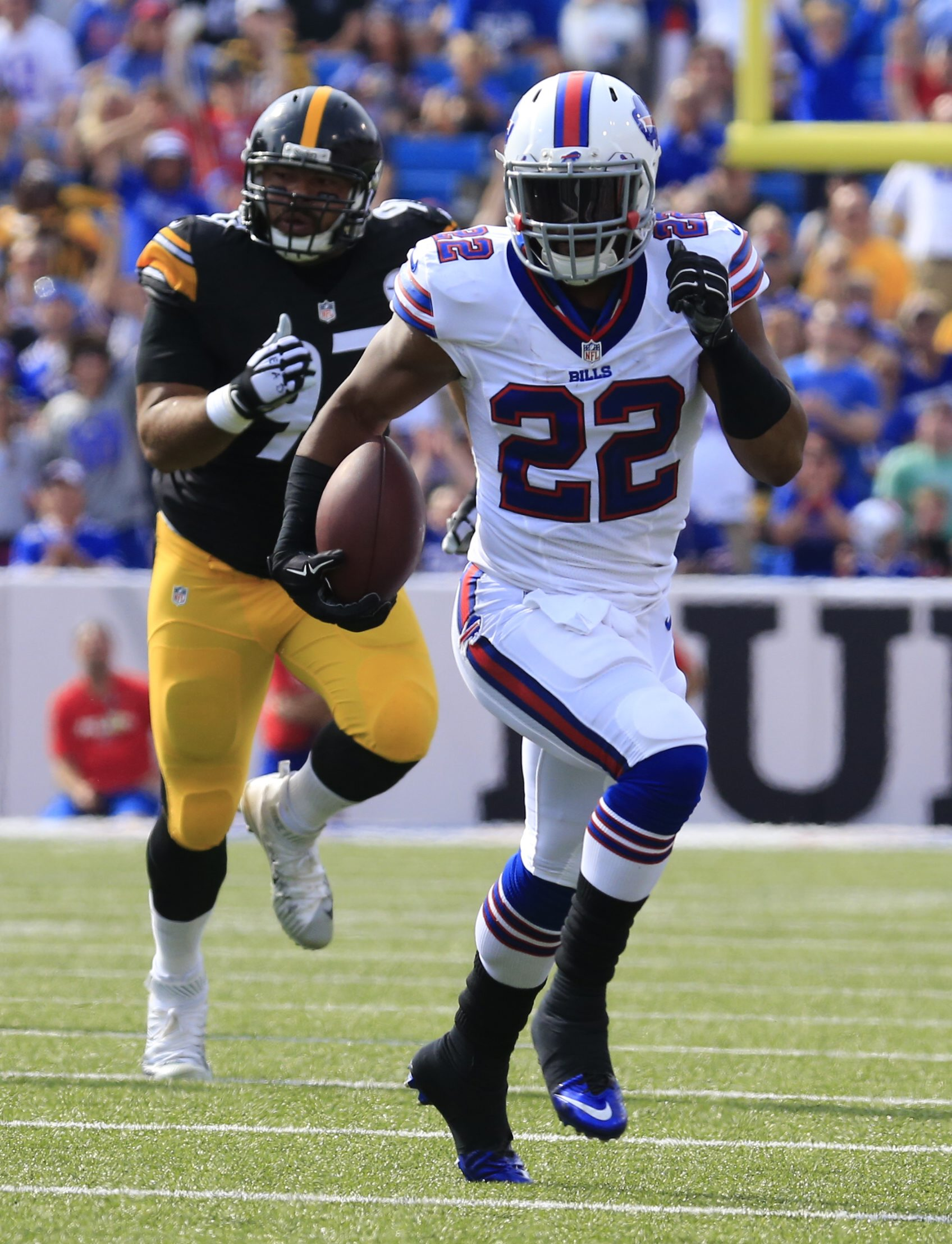 3 lien cut Buffalo Bills Fred Jackson during first half action against the Pittsburgh Steelers at Ralph WIlson Stadium on Saturday, Aug. 29, 2015.  (Harry Scull Jr./Buffalo News)