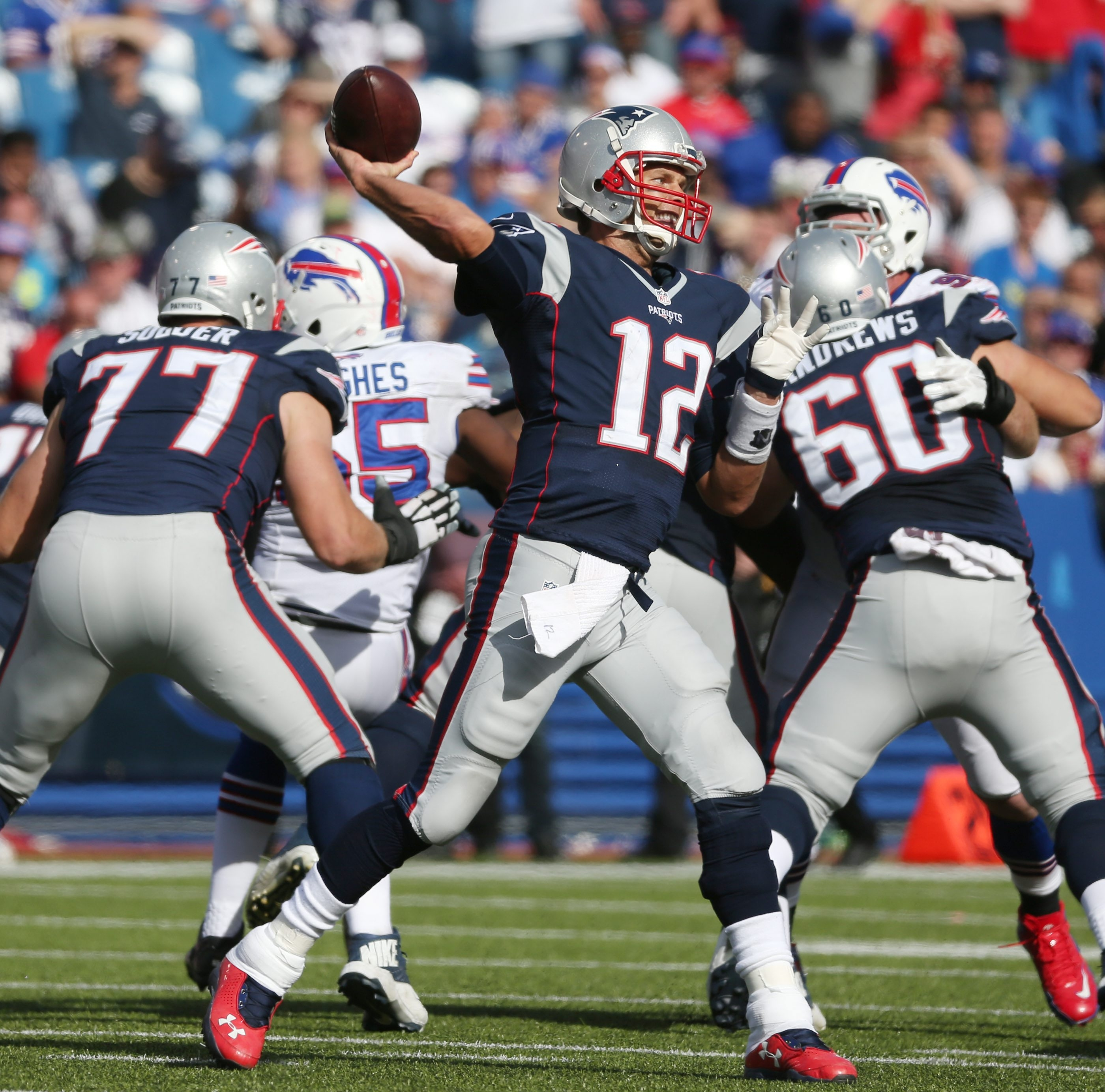 Tom Brady didn't give the Bills' pass rush much time to get to him.