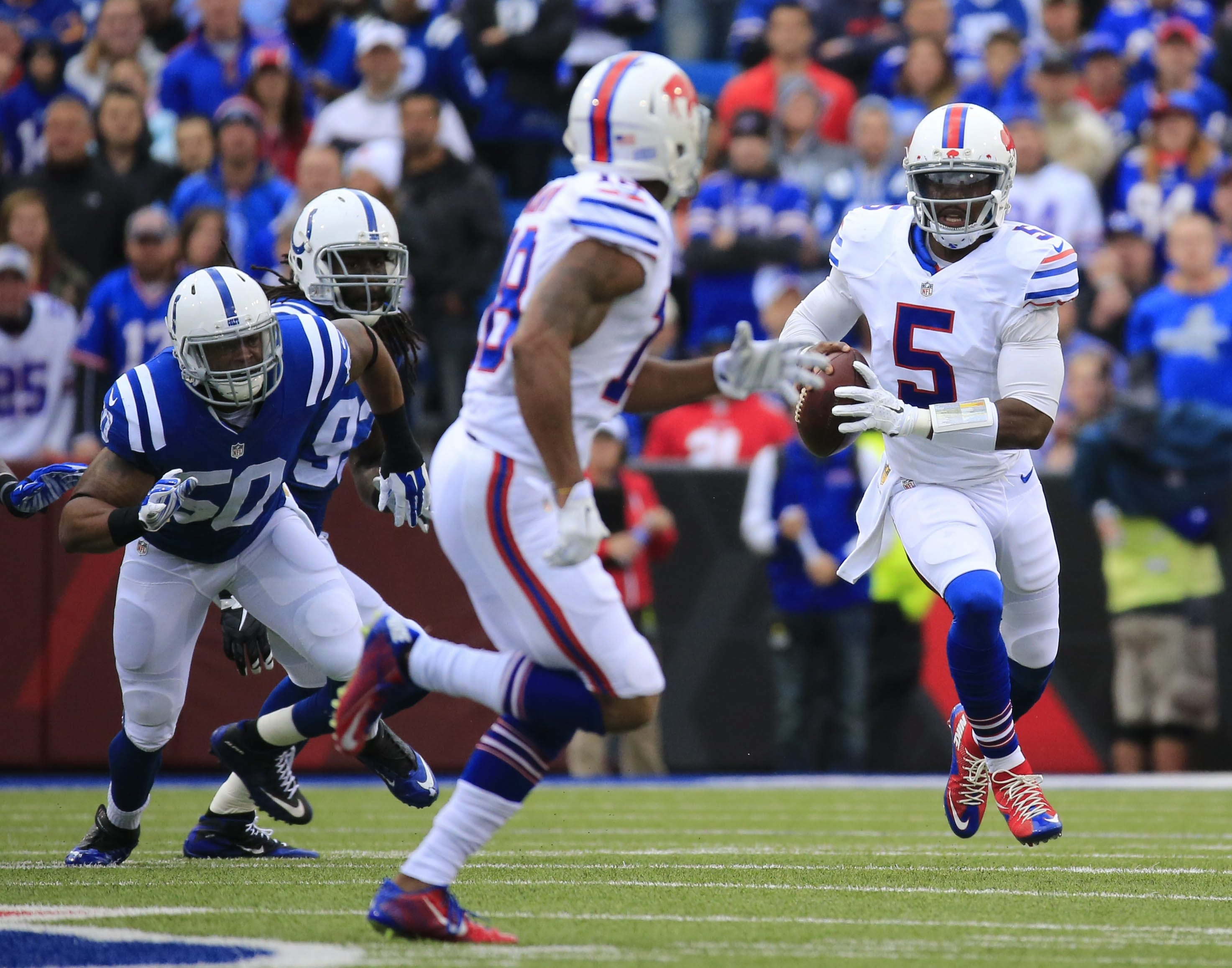 Bills quarterback Tyrod Taylor was the best player on the field Sunday. He completed 14 of his first 16 passes for 195 yards. He was in command all day and injected confidence into his teammates.