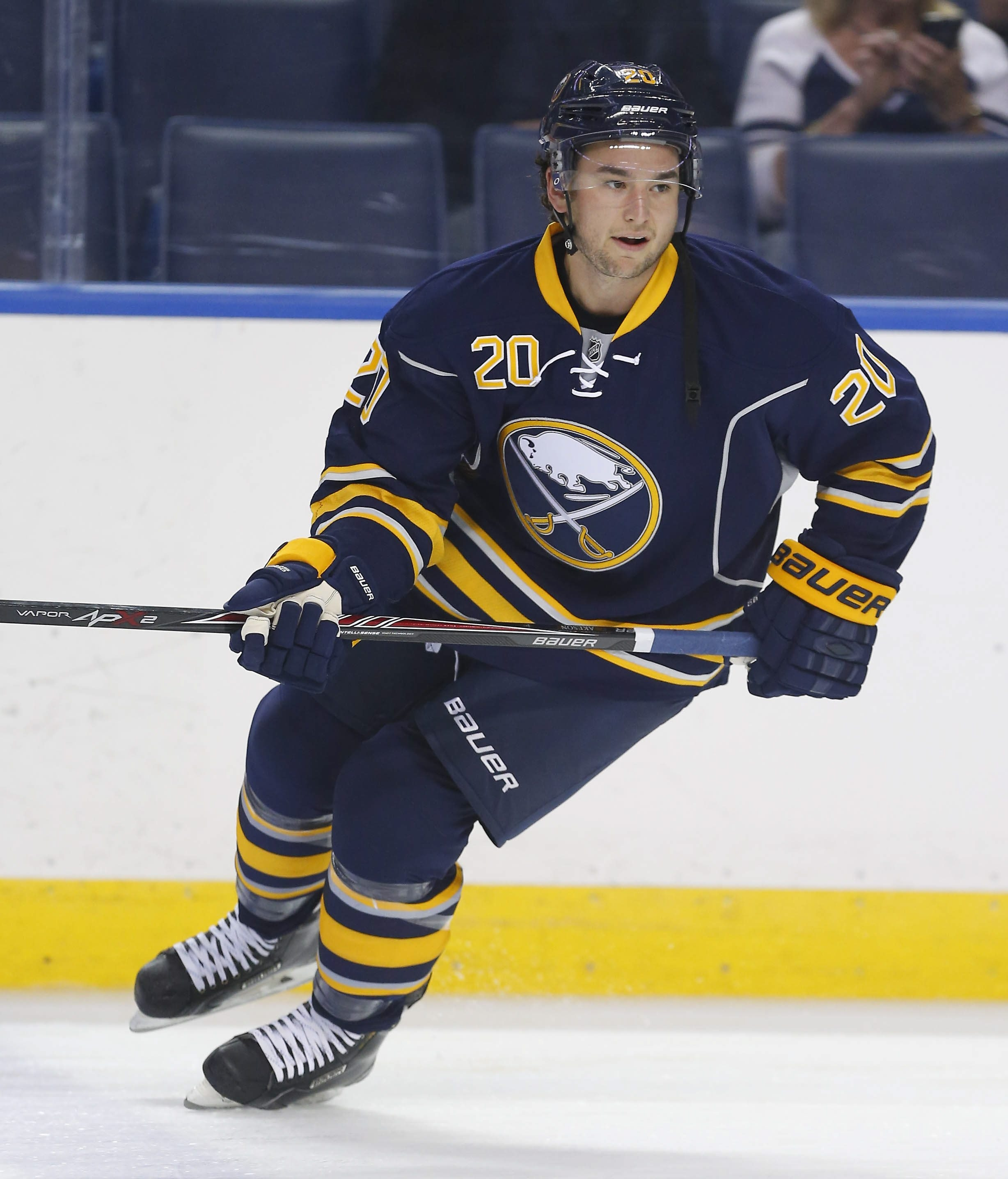 Jason Akeson has signed a one-year contract with the Sabres.