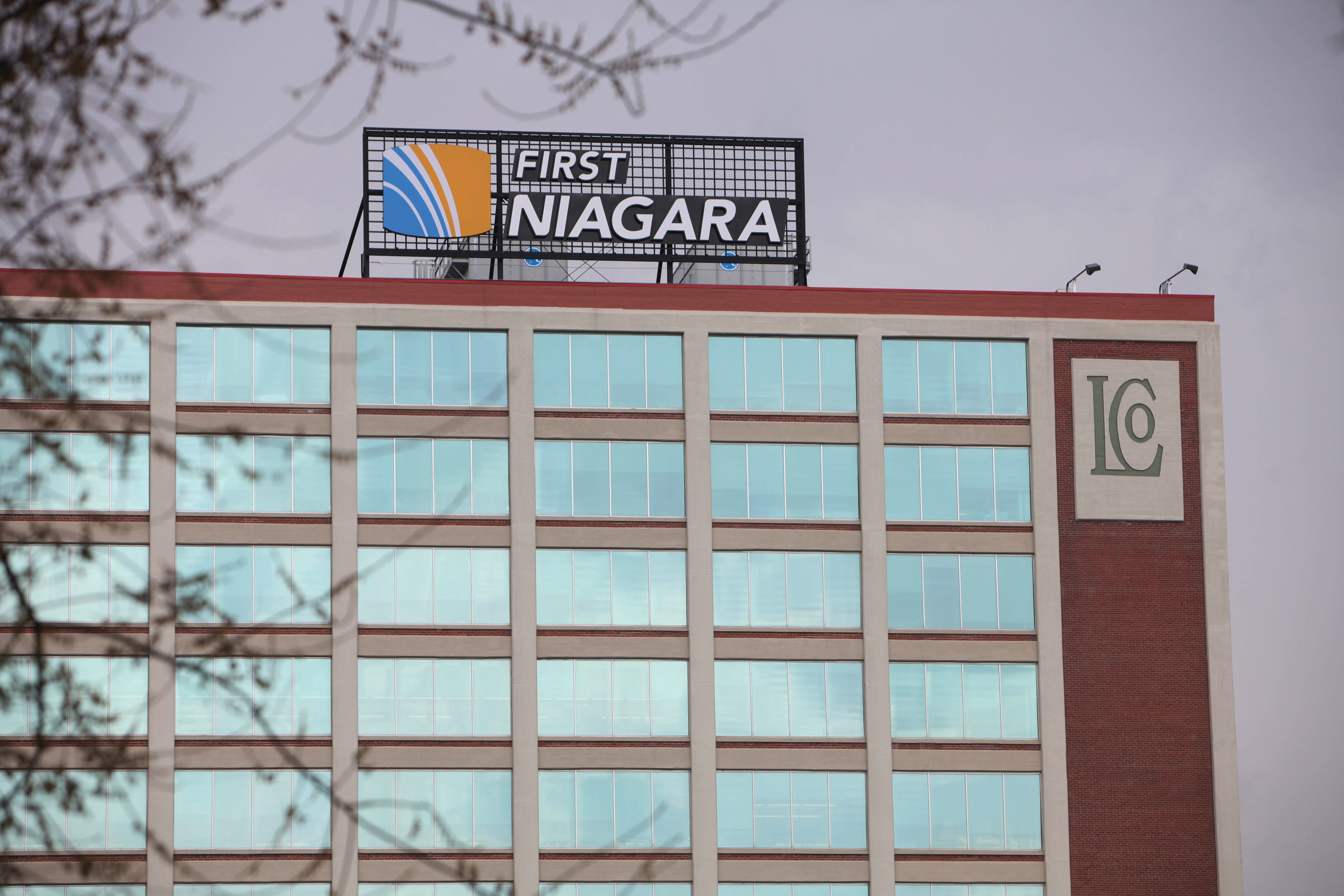 {photo for fin story}  First Niagara Bank's corporate headquarters are located at the Larkin at Exchange Buidling in Buffalo.  Photo taken on Monday, April 25, 2011.   {Photo by Sharon Cantillon / Buffalo News}