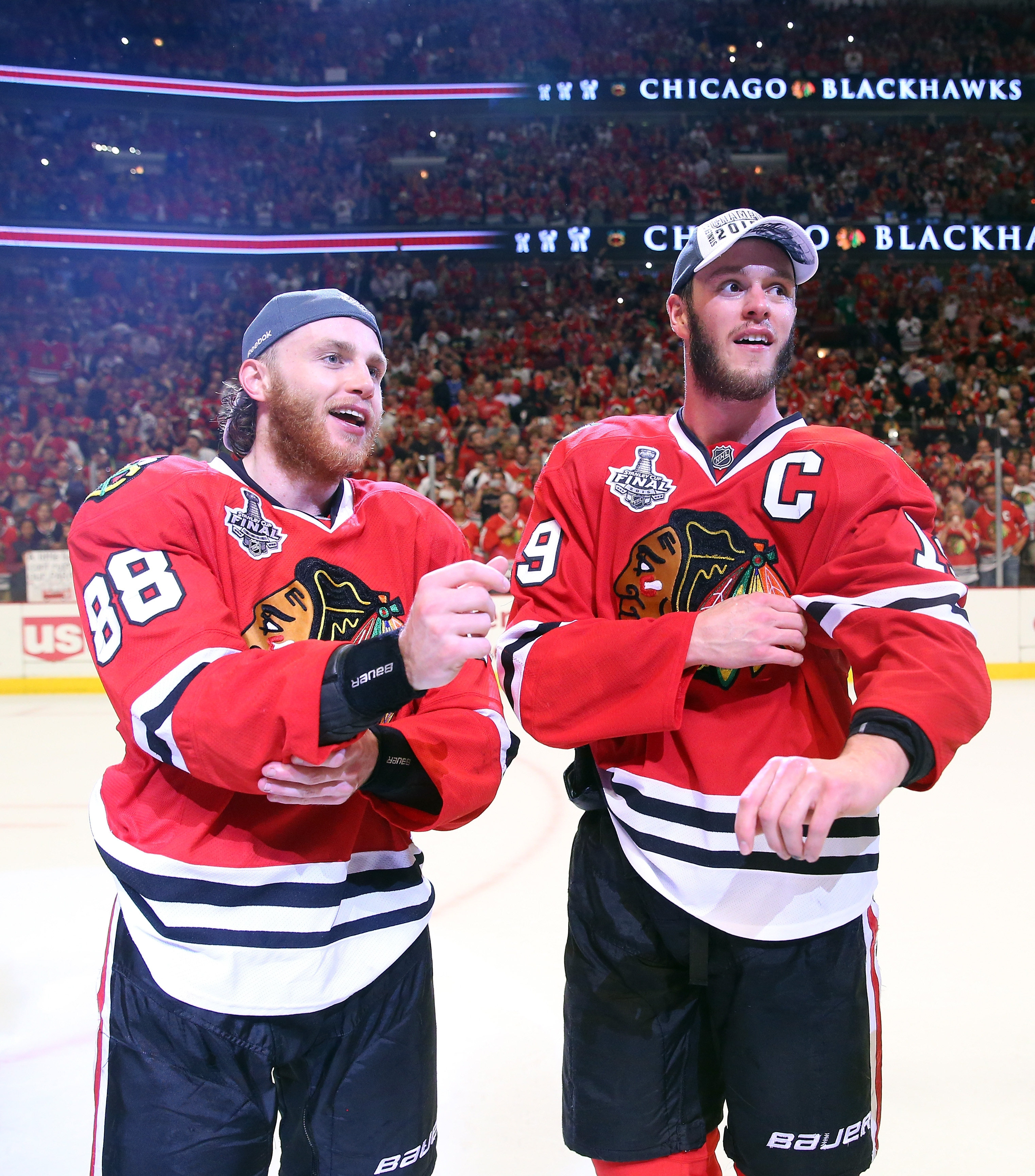 Patrick Kane, left, and Jonathan Toews both were given identical contracts by the Blackhawks last summer.