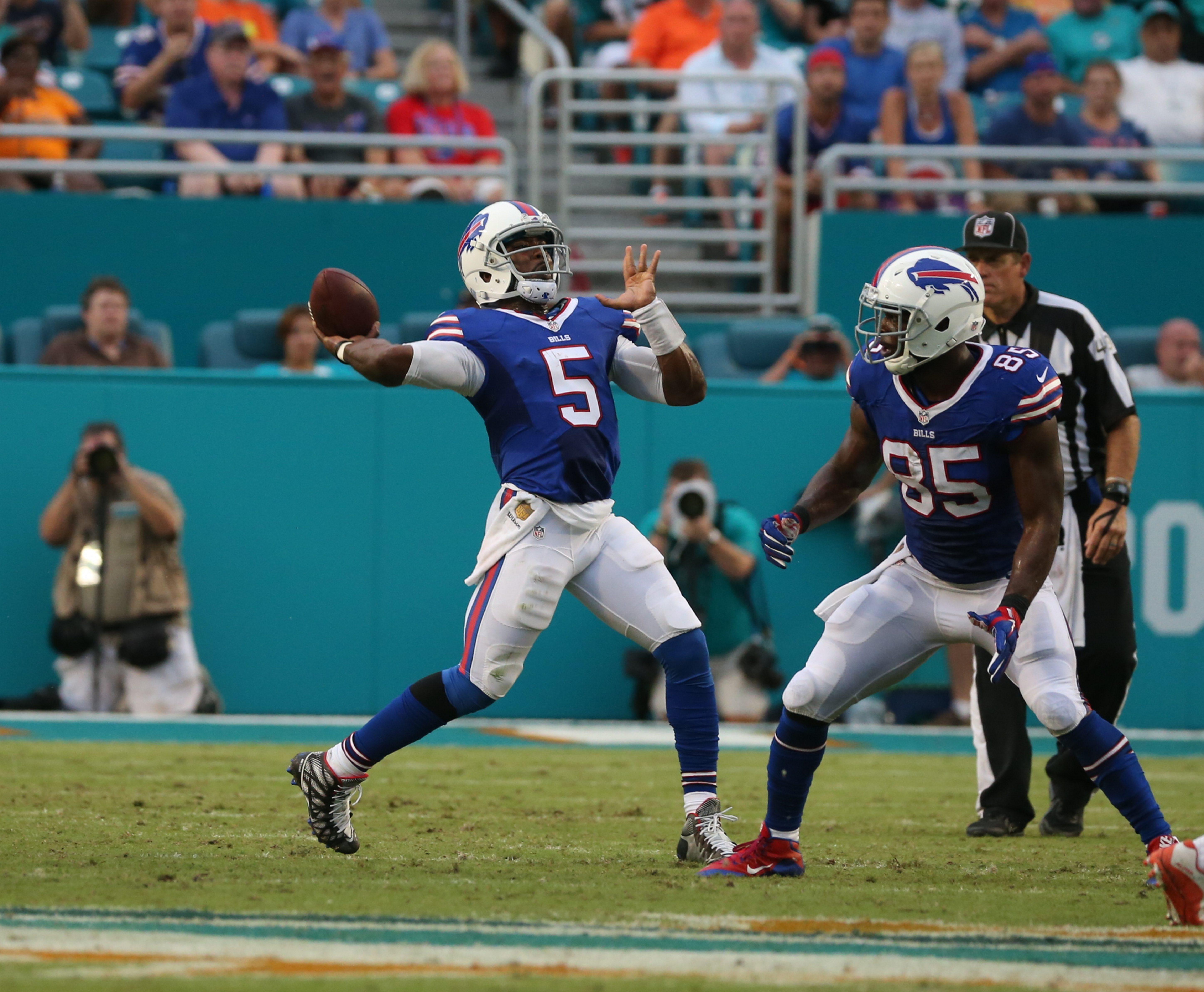 Buffalo Bills quarterback Tyrod Taylor (5) throws the ball during the second quarter. (James P. McCoy/ Buffalo News)