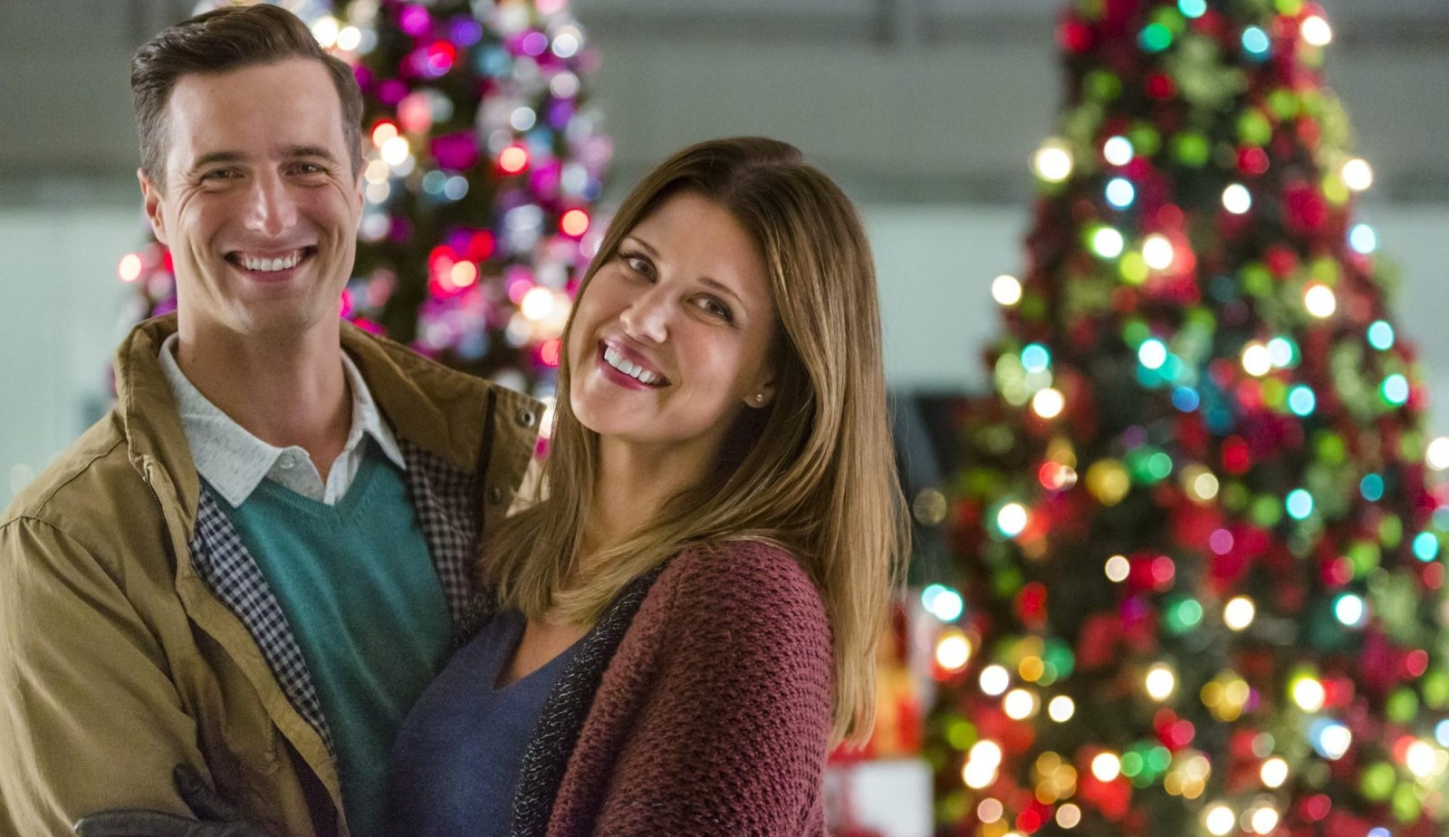 Brendan Penny and Sarah Lancaster star in the new holiday movie ''Tis the Season for Love,' premiering Sunday on Hallmark Channel.