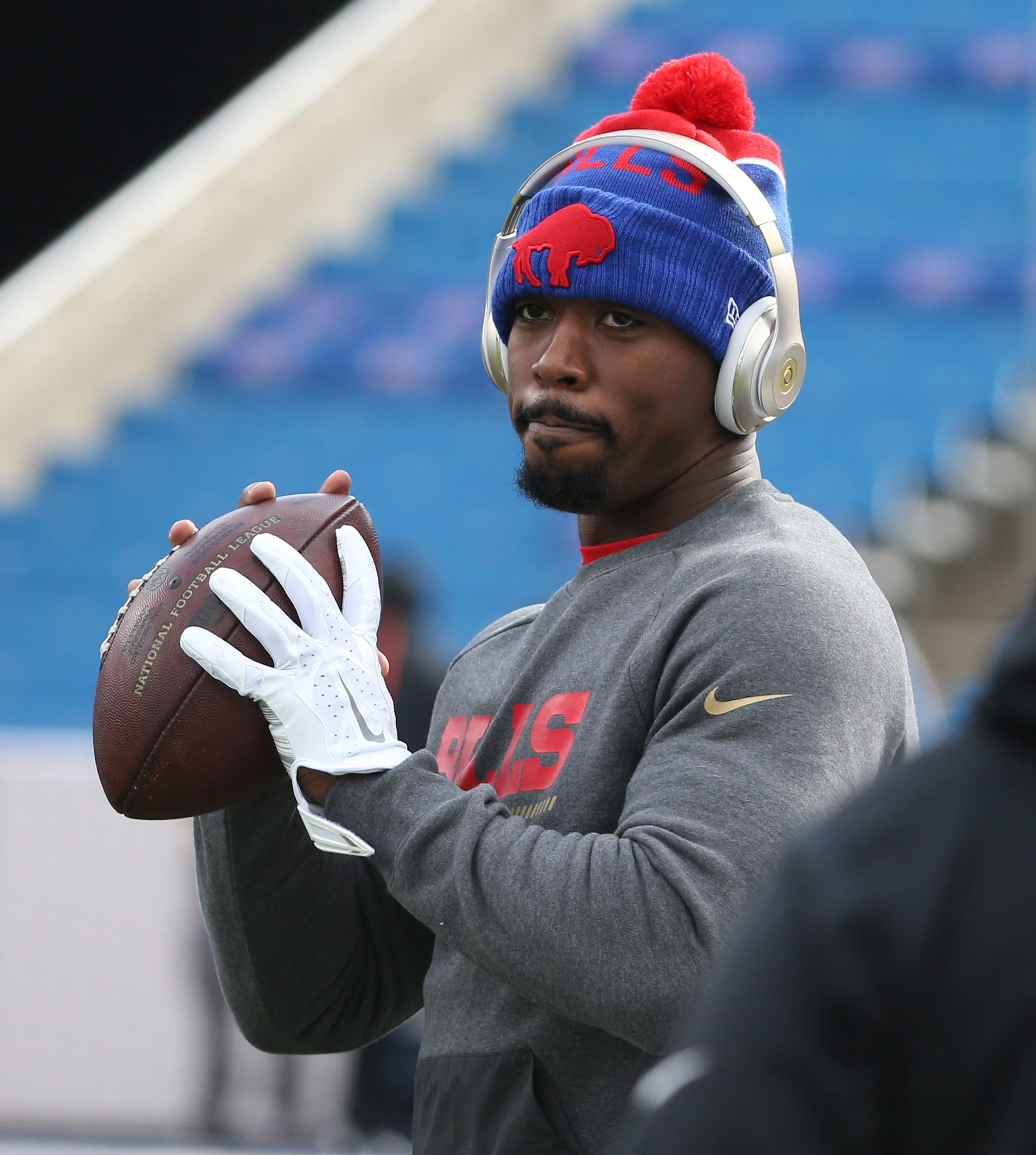 Tyrod Taylor says he's improved and expects to practice with the Bills on Wednesday with no limitations.
