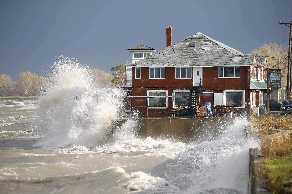Lake Erie waves crash into the Hamburg shoreline Thursday morning. The lake's wave heights could exceed 15 feet not far from the Erie and Chautauqua county shorelines Thursday morning, according to weather service forecasts. (Mark Mulville / Buffalo News)