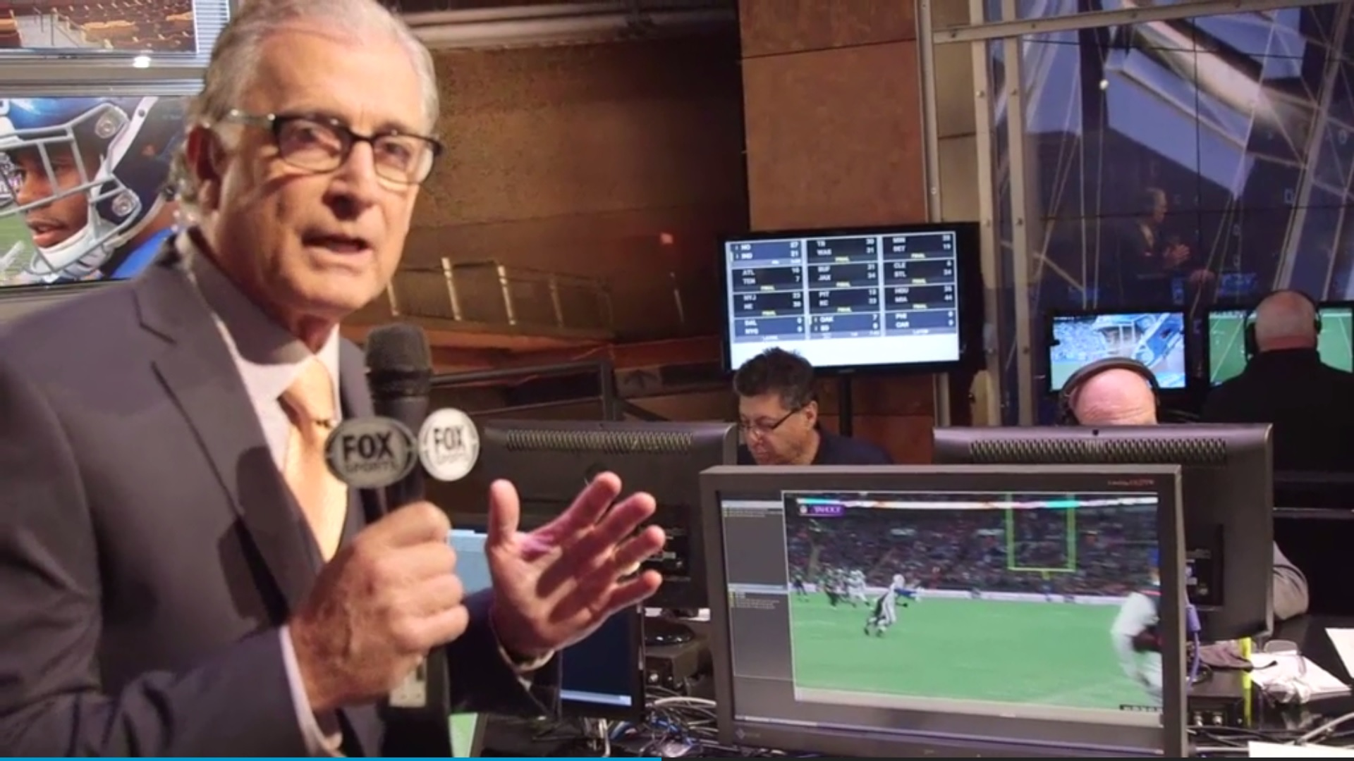 Mike Pereira of Fox Sports explained why he disagreed with the pass interference call on Nickell Robey.