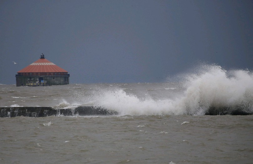 It will be another turbulent evening and overnight on the eastern end of Lake Erie. (Derek Gee/Buffalo News)