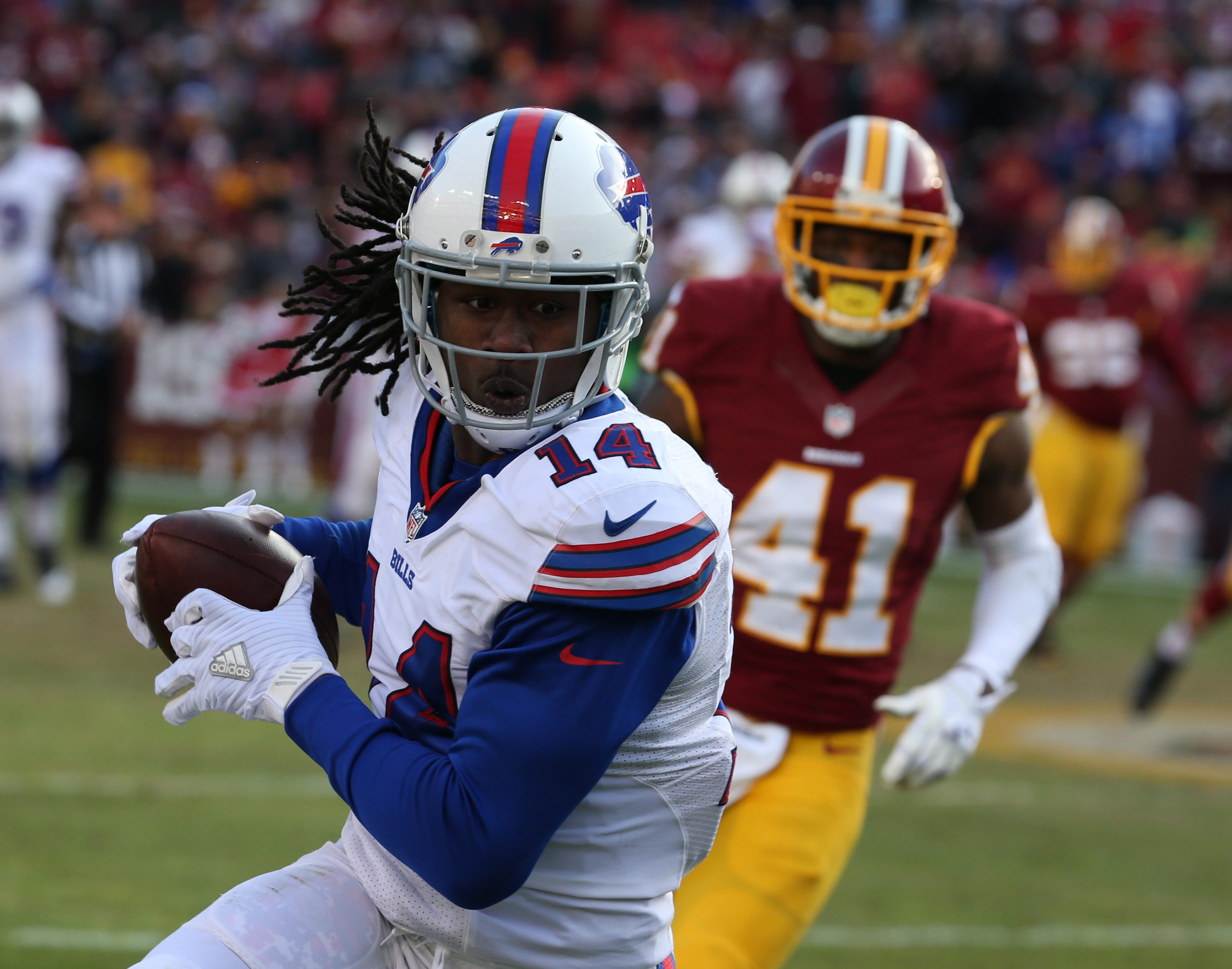 Sammy Watkins (14) makes a great catch over his head n the third quarter. (James P. McCoy/ Buffalo News)