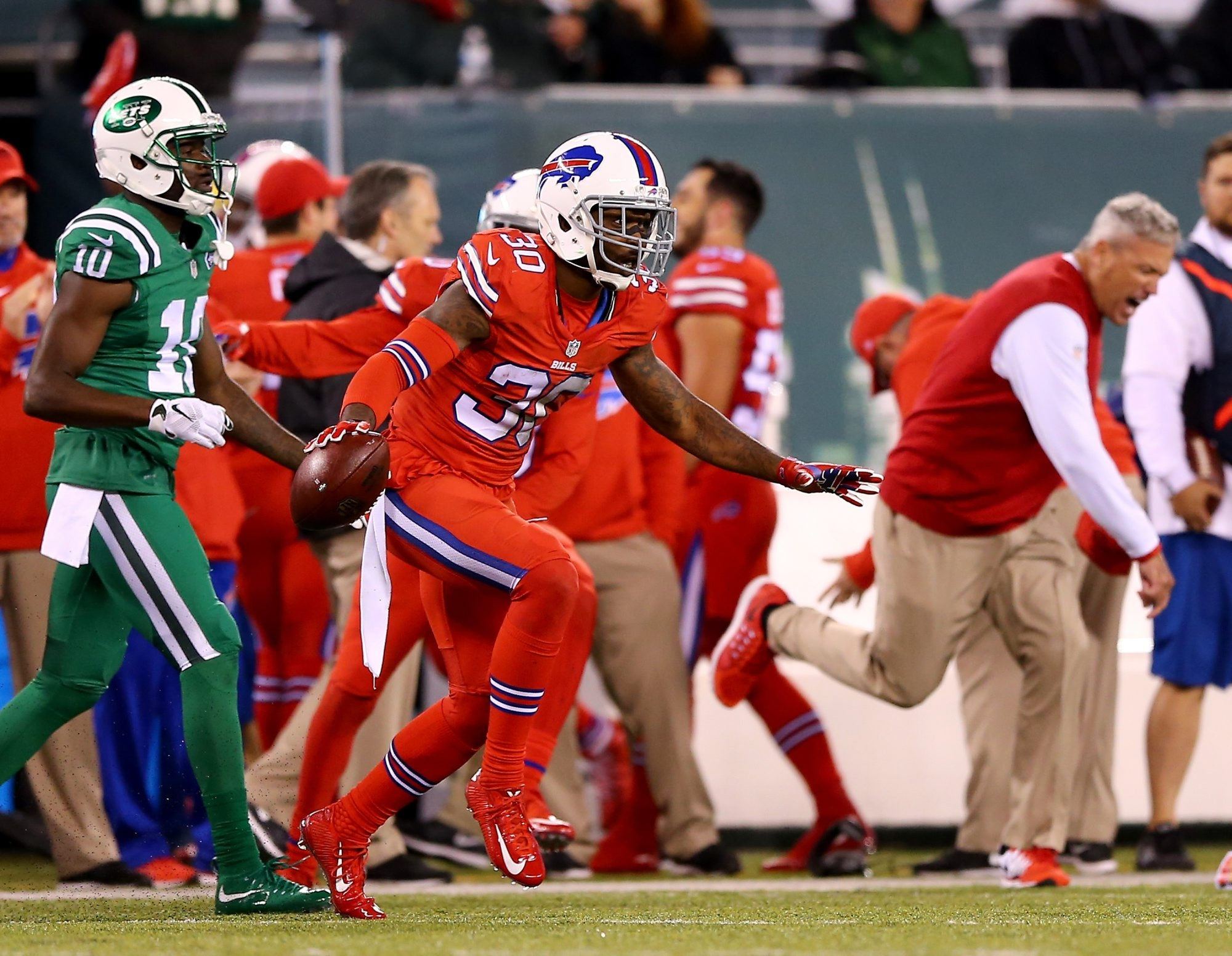 Bills' defensive back Bacarri Rambo (30), shown here against the Jets, played while hurt during Sunday's game with the Cowboys. He was dealing with a shoulder injury.