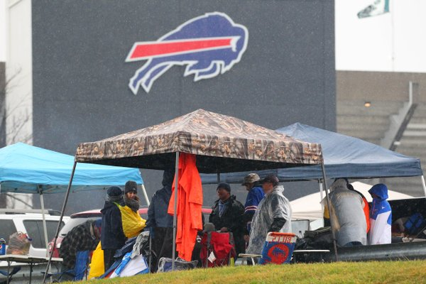It was dreary weather, and a dreary game in which the Bills came away with a 16-6 win. (Mark Mulville/Buffalo News)