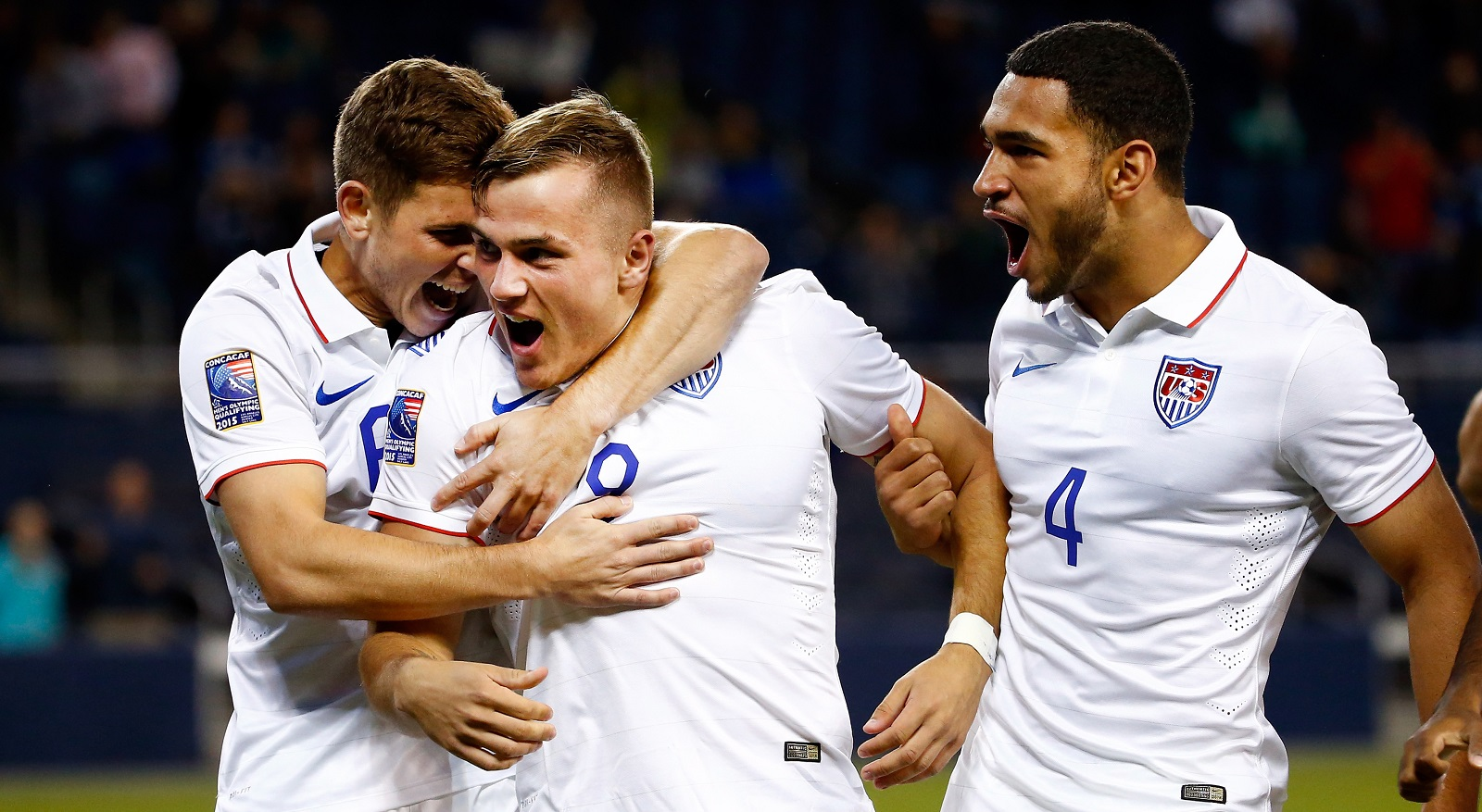 Jordan Morris, center, has a decision to make. Does he try to move overseas, sign with Seattle or return to college? (Getty Images)