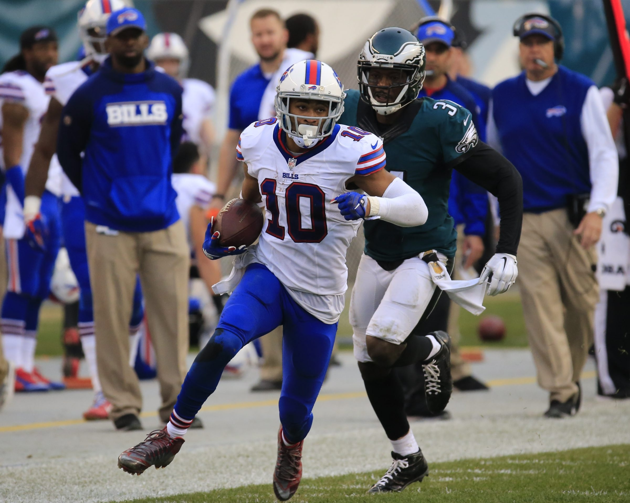 Bills wide receiver Robert Woods runs after making a pass reception against the Eagles. Woods' yards-after-catch production is something he wants to improve on as he looks to 2016. It will be the final season of the rookie contract he signed in 2013.