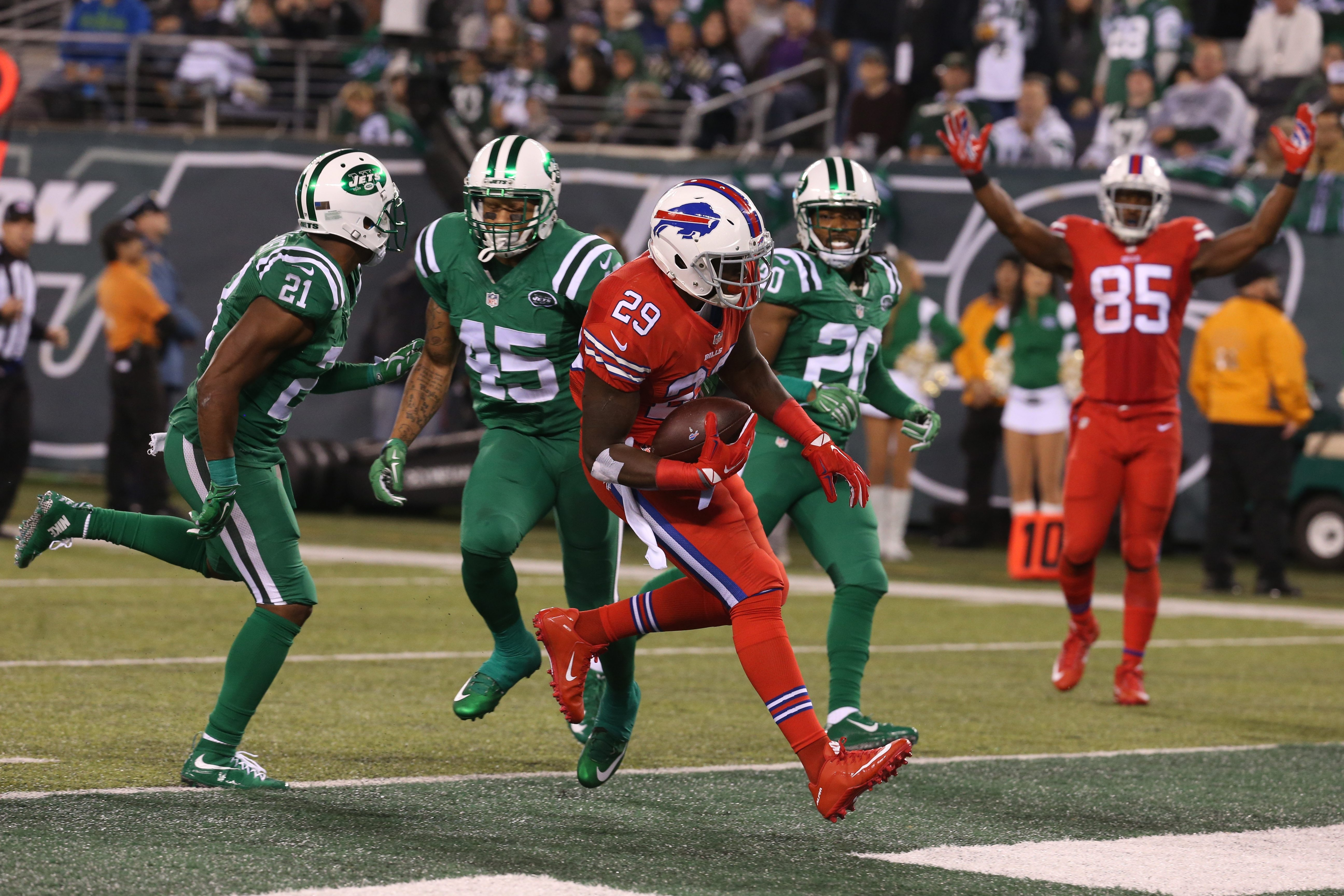 The Bills' Karlos Williams scores a touchdown during the third quarter at MetLife Stadium in Buffalo's 22-17 win over the Jets in November.