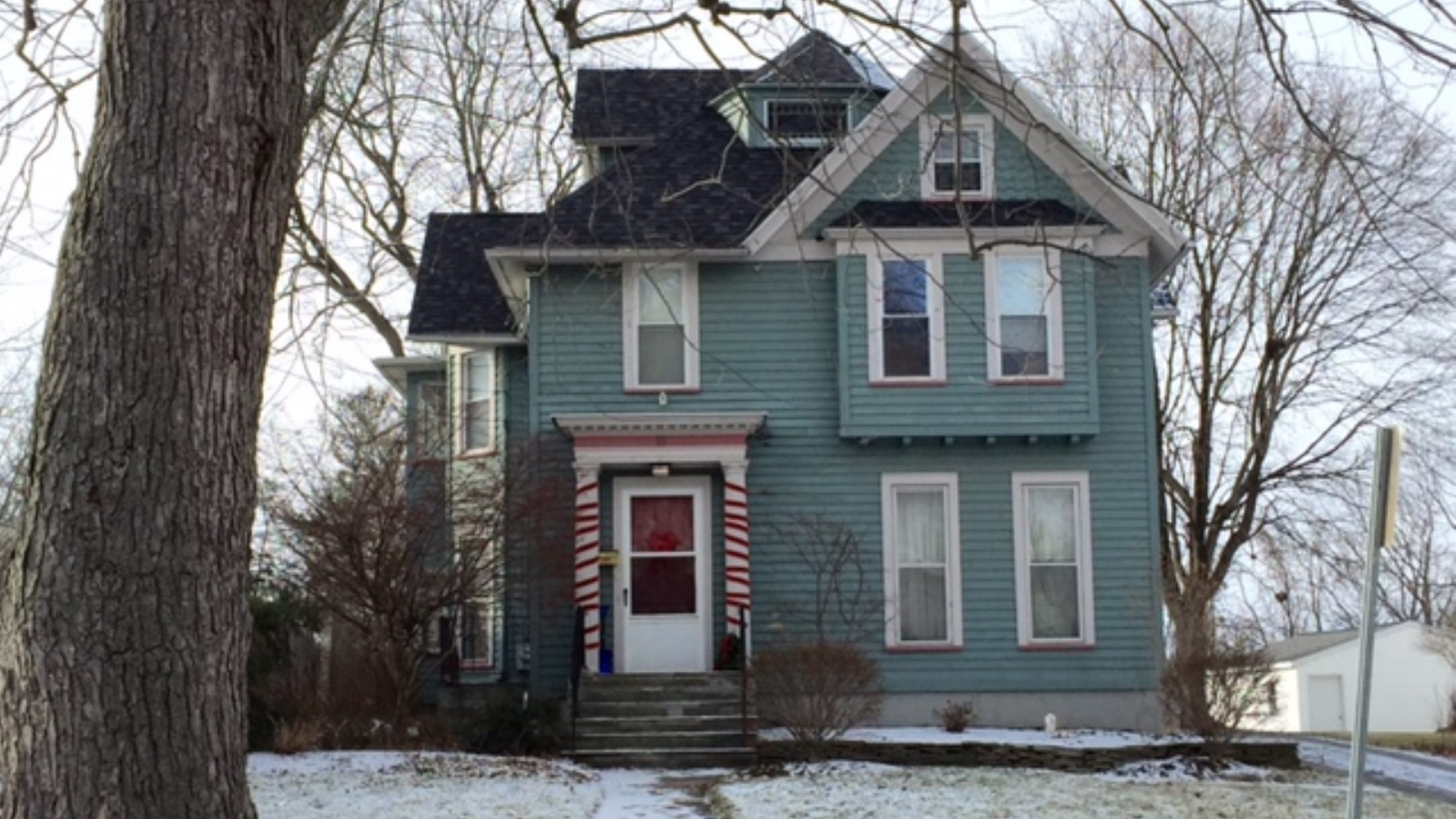 The home where two current and one former SUNY Geneseo students died Sunday.