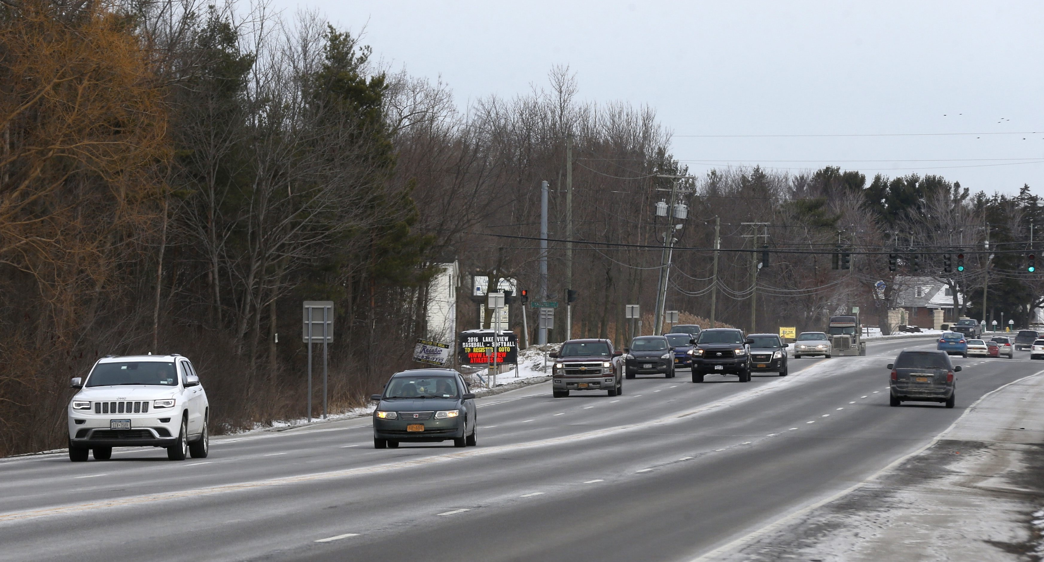 Controversial stretch of Southwestern Boulevard between Pleasant Avenue and Amsdell Road in Hamburg, where there was a fatal accident in July, has residents concerned about safety. They met Monday with officials from the state Department of Transportation.